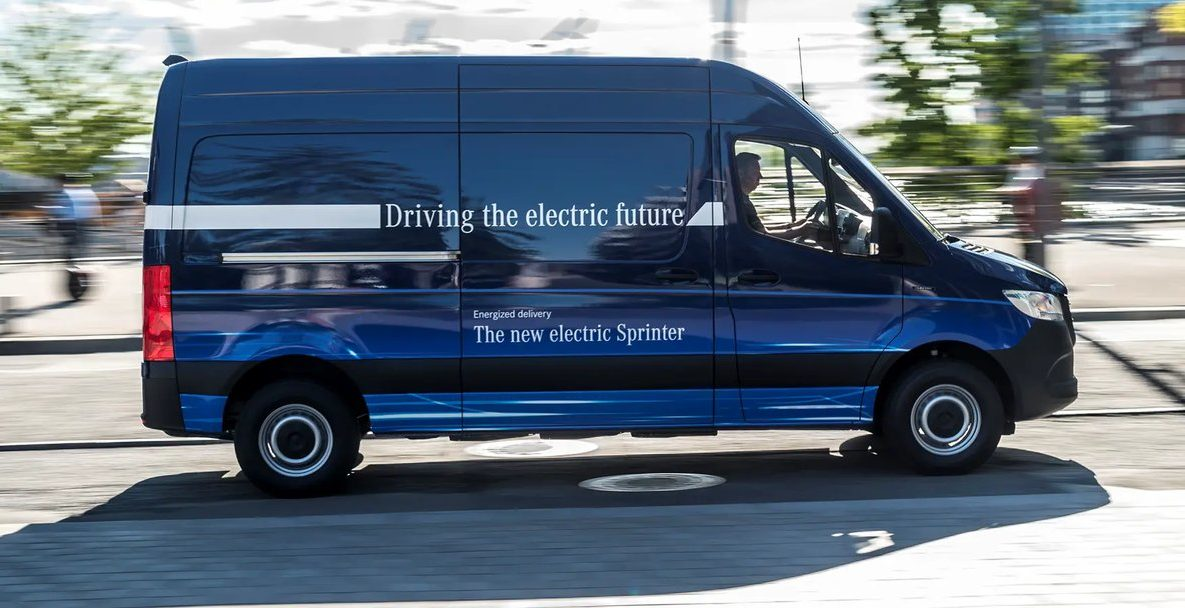 59dfd3ad4c Tesla eyes Mercedes-Benz as potential platform for electric service vans