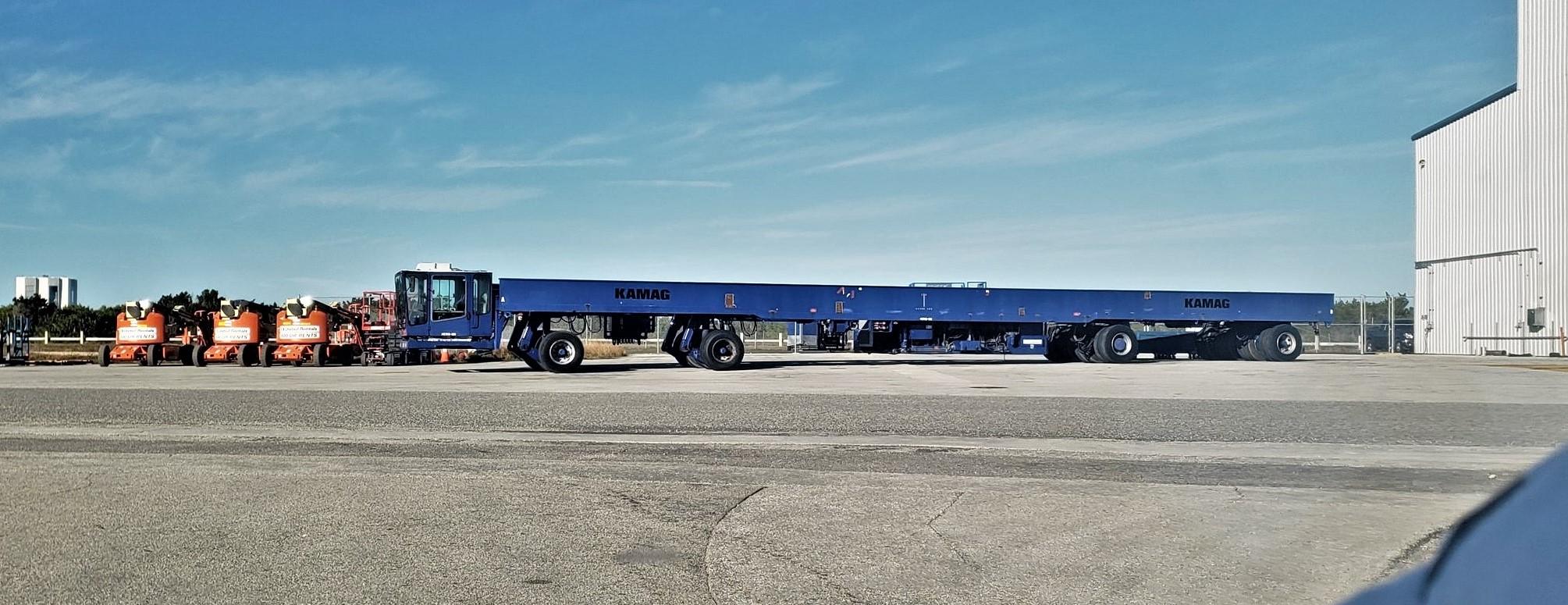 ex-Shuttle purge transporter UPT 39A 020519 (Julia Bergeron) crop