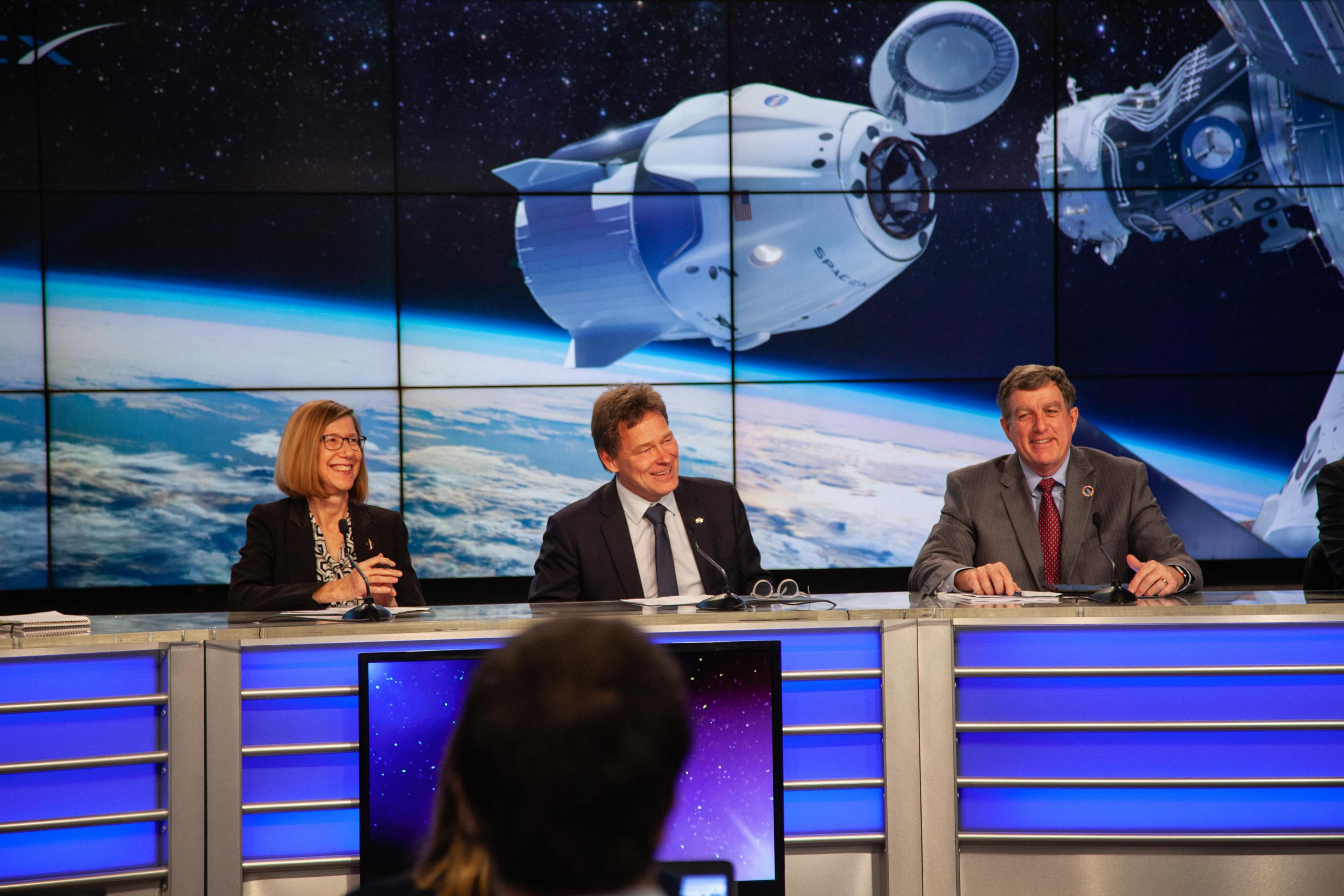 happy Kathy Hans Kirk DM-1 FRR (NASA) 1 (c)