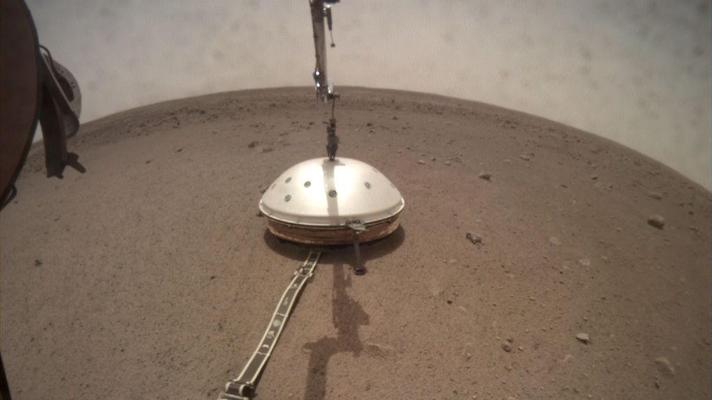 insight-Wind-thermal-shield-deployment_mars