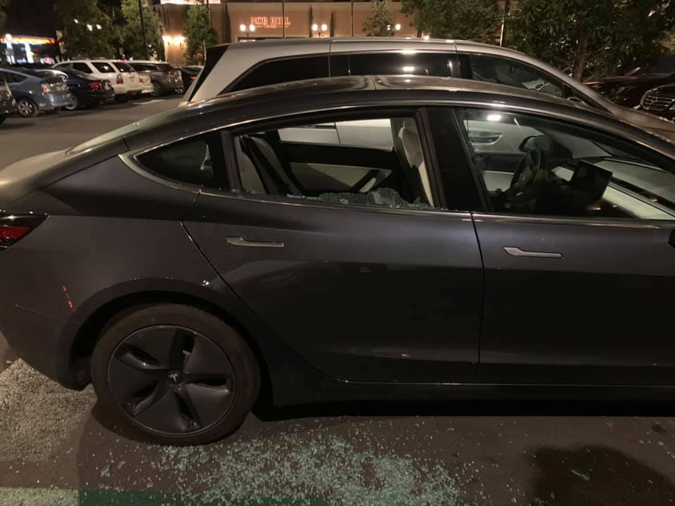 tesla-model-3-break-in-rear-glass-2