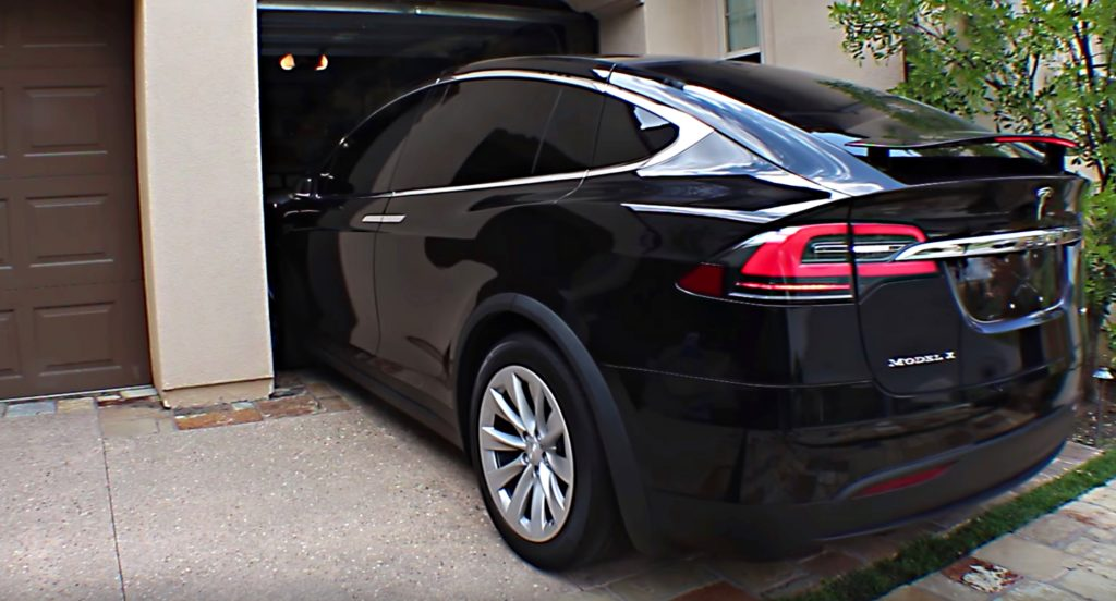 Tesla Rolls Out Location Based Auto Folding Mirrors