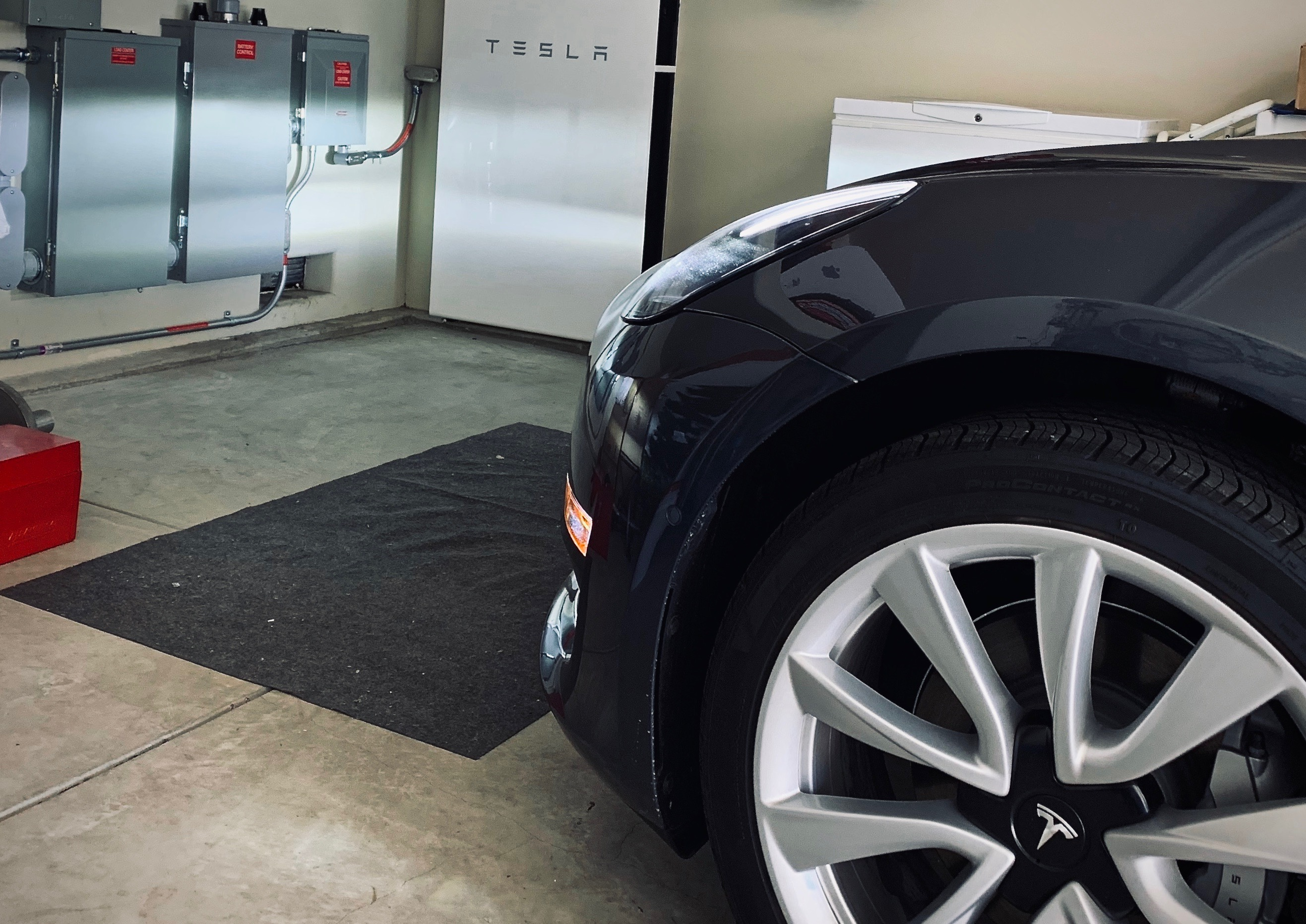 Tesla Powerwall smarter integration with vehicle charging hinted at in API code