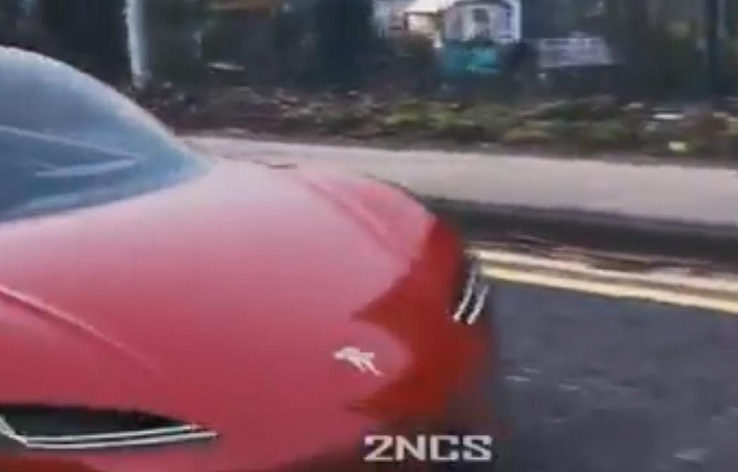 tesla-roadster-drive-by-2a