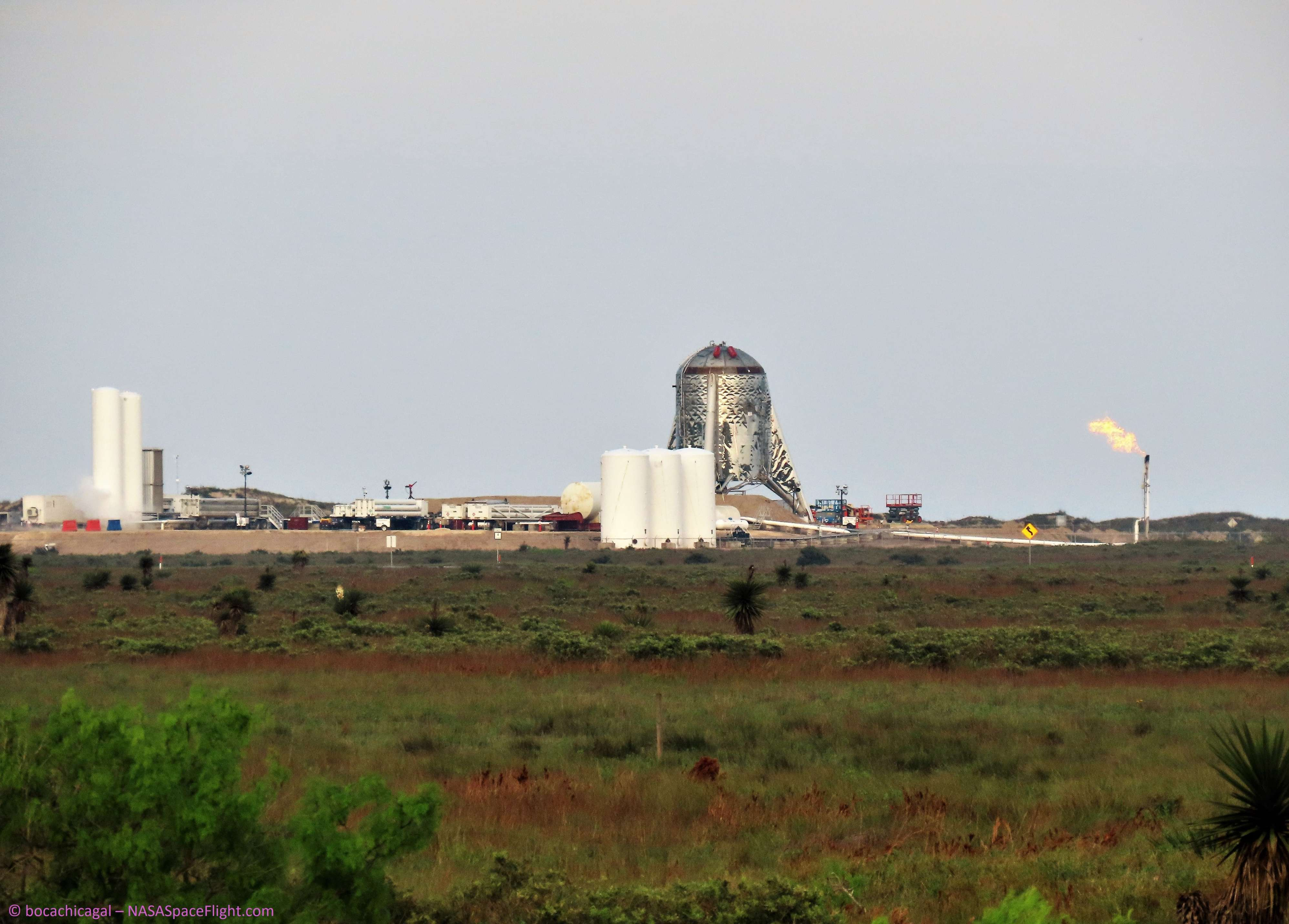 Boca Chica Starhopper and pad 032319 (NASASpaceflight – bocachicagal) 1 (c)