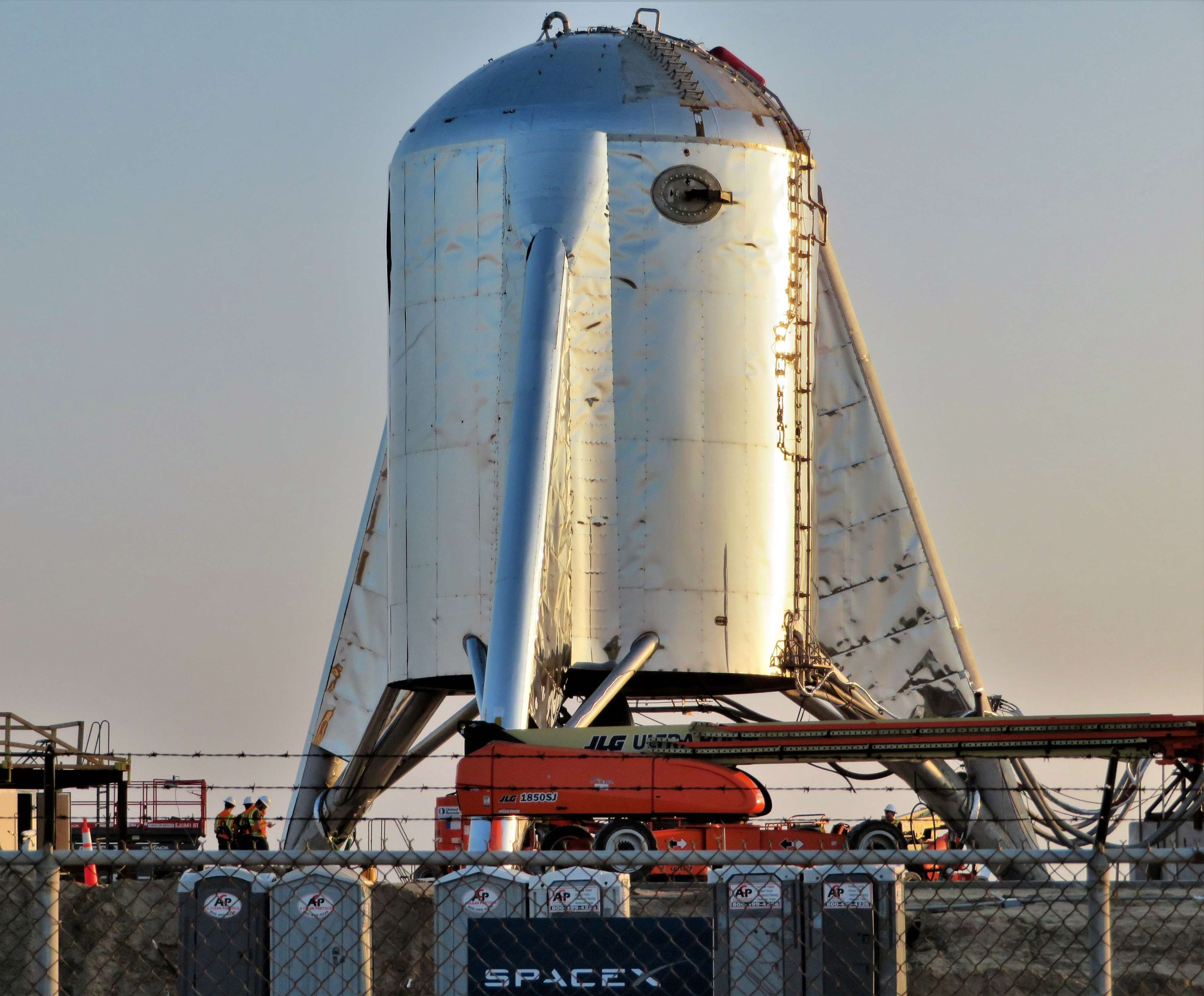 Boca Chica Starhopper progress 032419 (NASASpaceflight – bocachicagal) 1 crop (c)