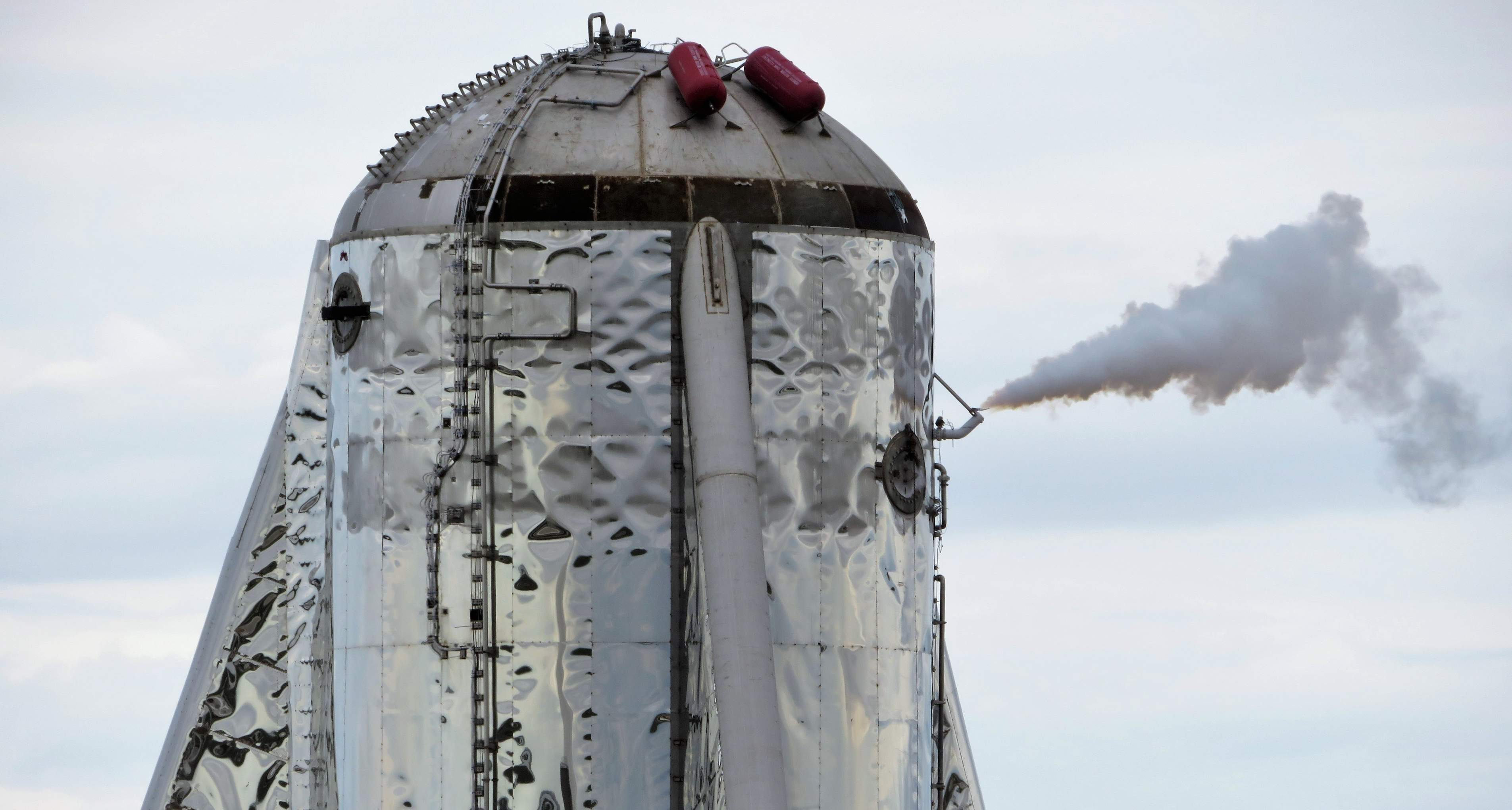 SpaceX shows off successful heatshield test for Starship