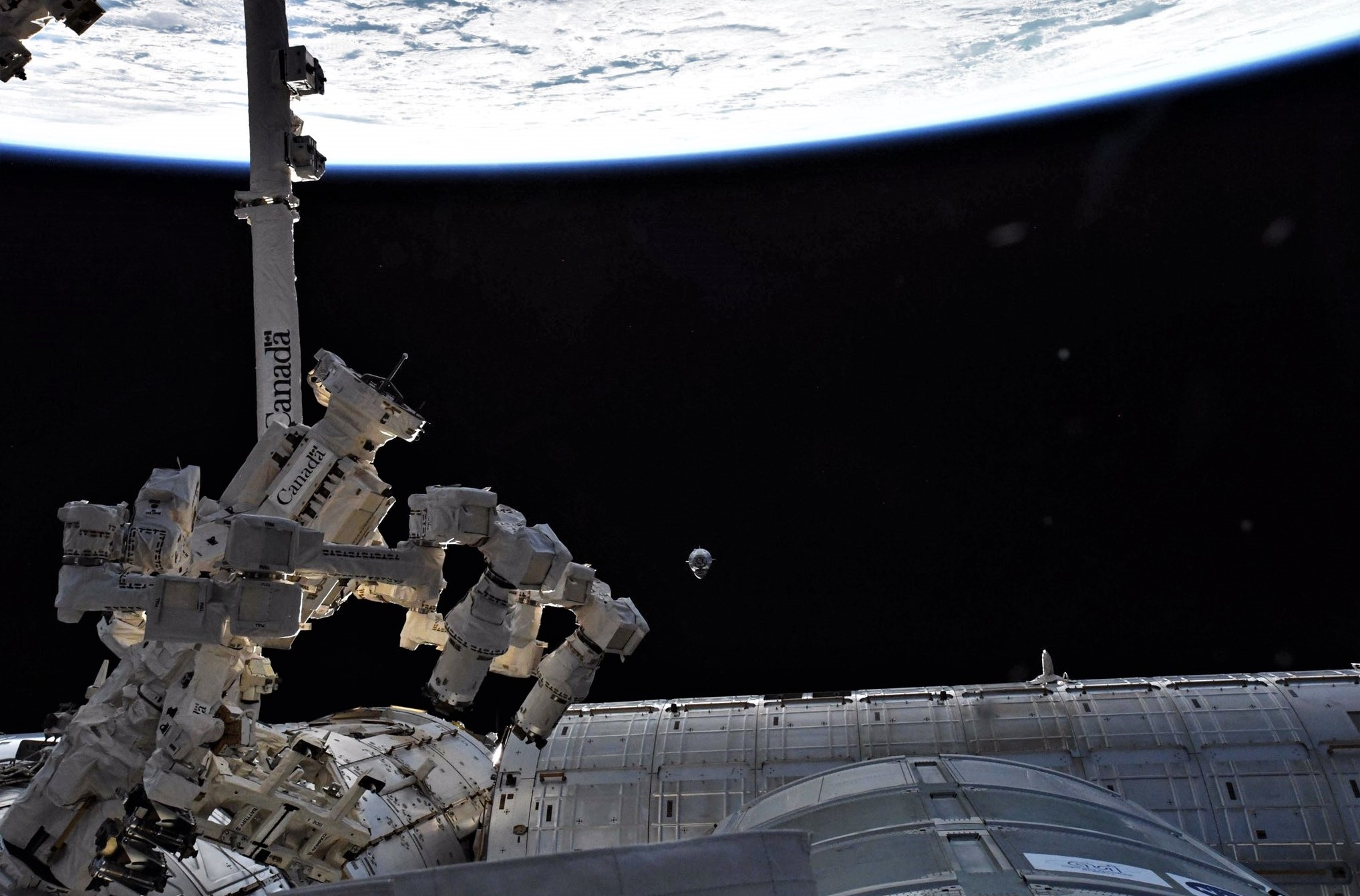Crew Dragon DM-1 ISS arrival 030319 (David Saint-Jacques) 1