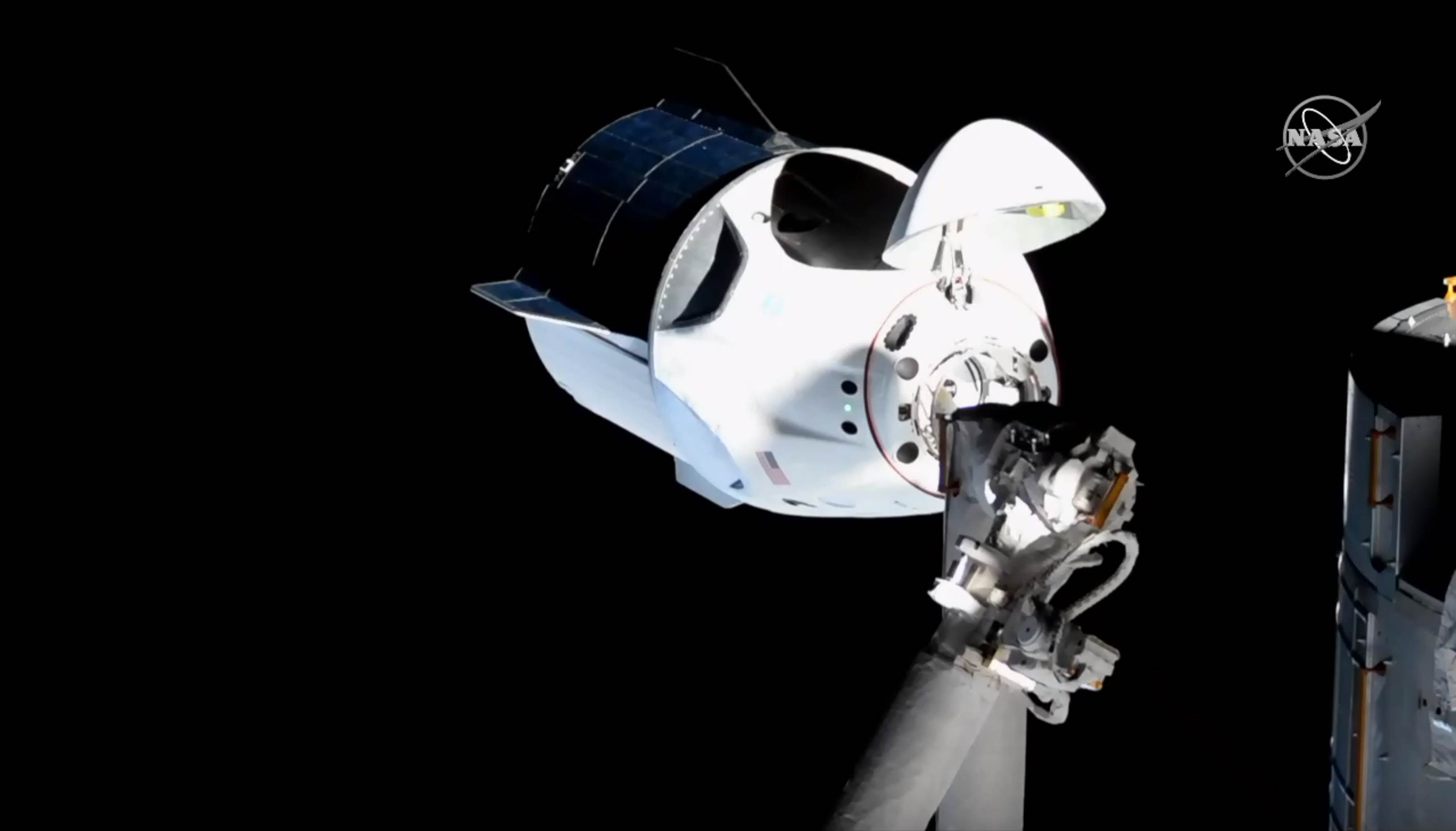 Crew Dragon DM-1 ISS arrival 030319 (NASA) 5