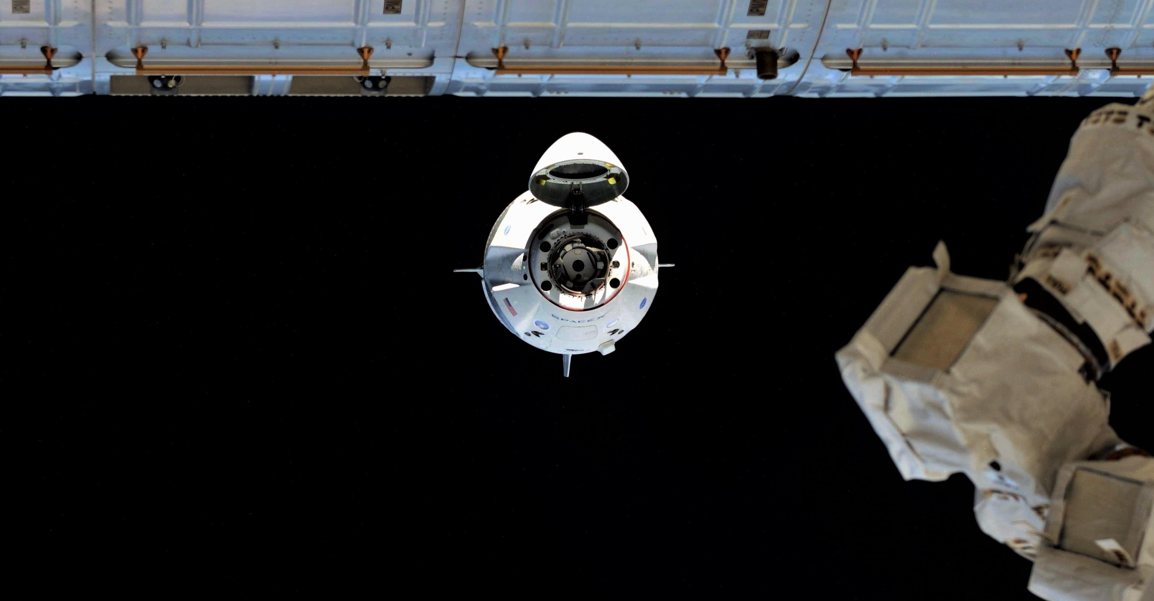 Crew Dragon DM-1 ISS arrival 030319 (Oleg Kononenko) 1 crop 3