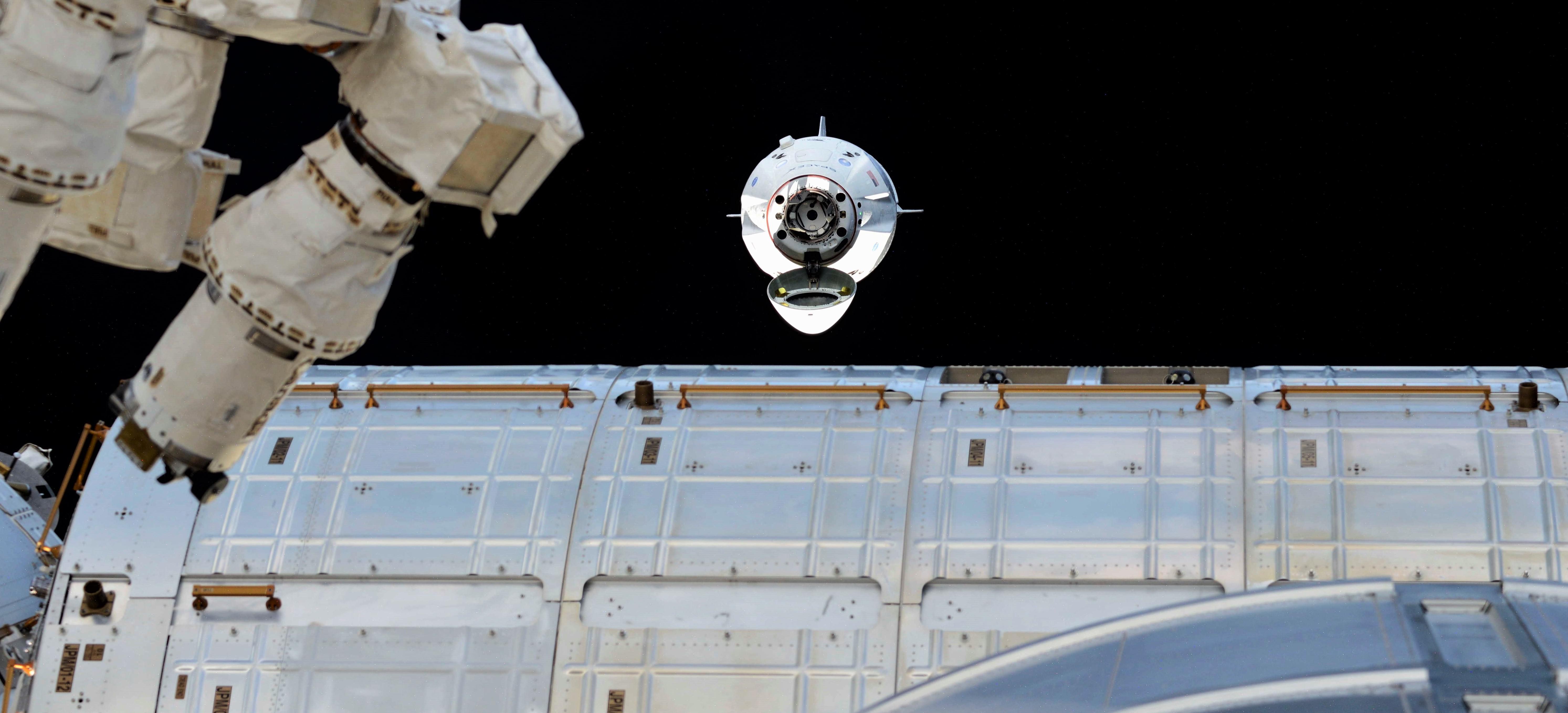 Crew Dragon DM-1 ISS arrival 030319 (Oleg Kononenko) 1 crop (c)