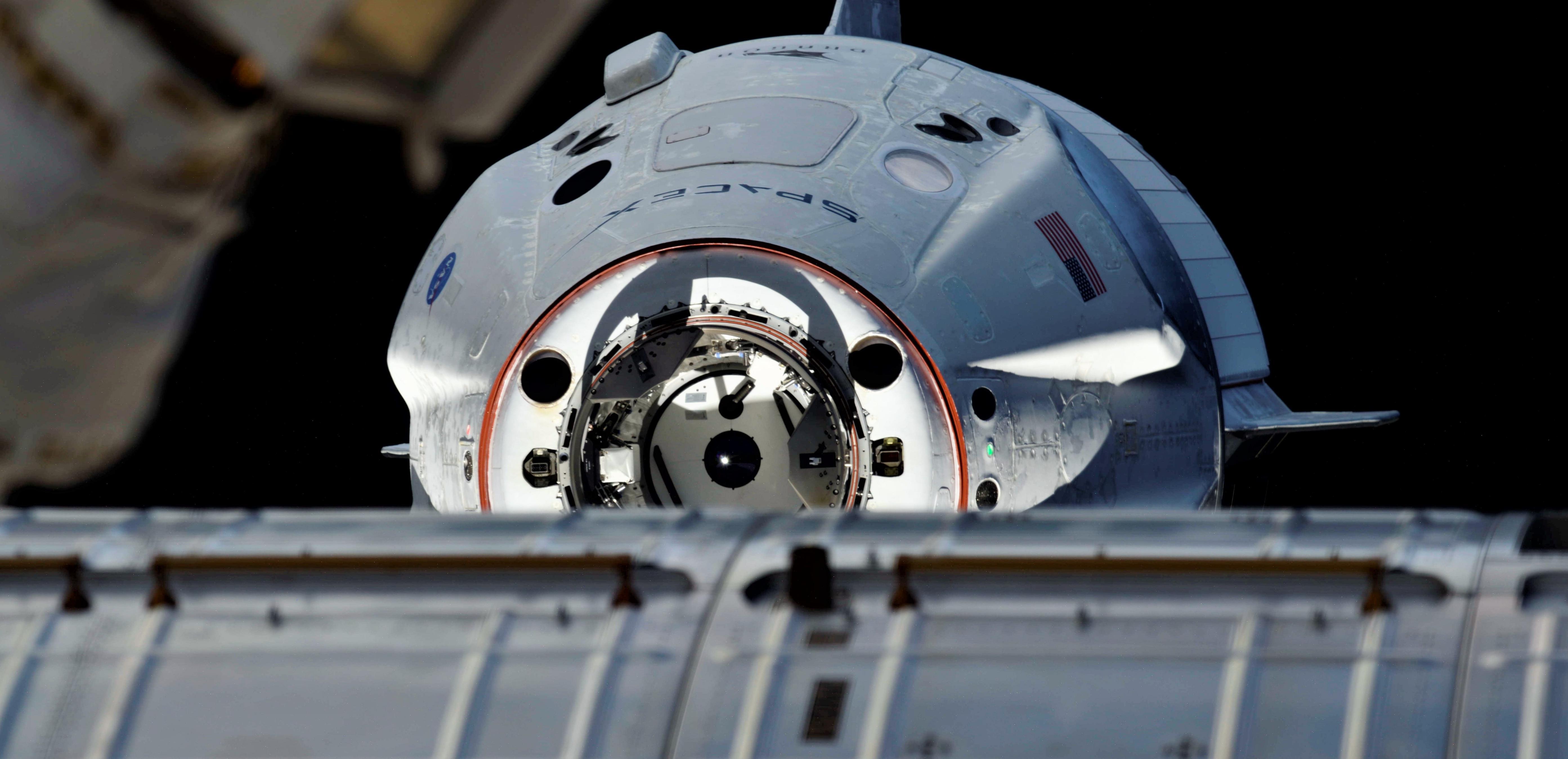 Crew Dragon DM-1 ISS arrival 030319 (Oleg Kononenko) 2 crop (c)