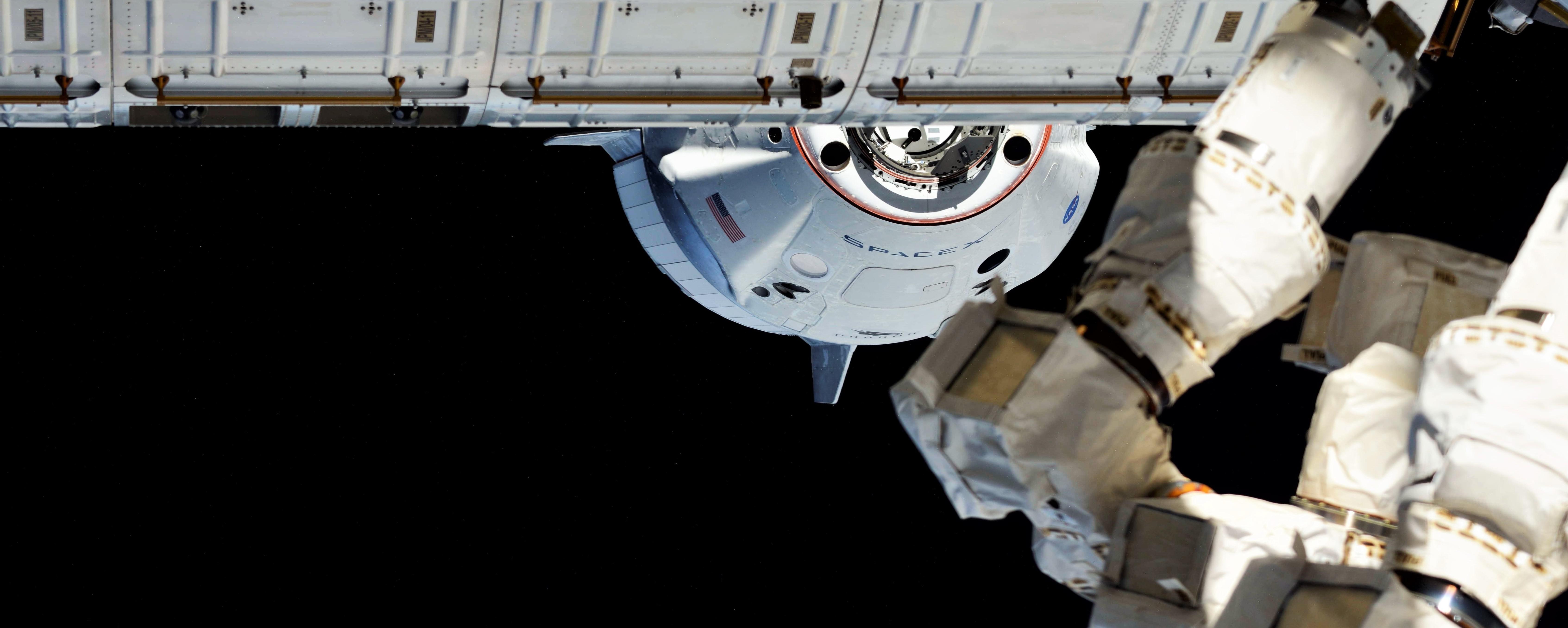 Crew Dragon DM-1 ISS arrival 030319 (Oleg Kononenko) 3 crop 2 (c)