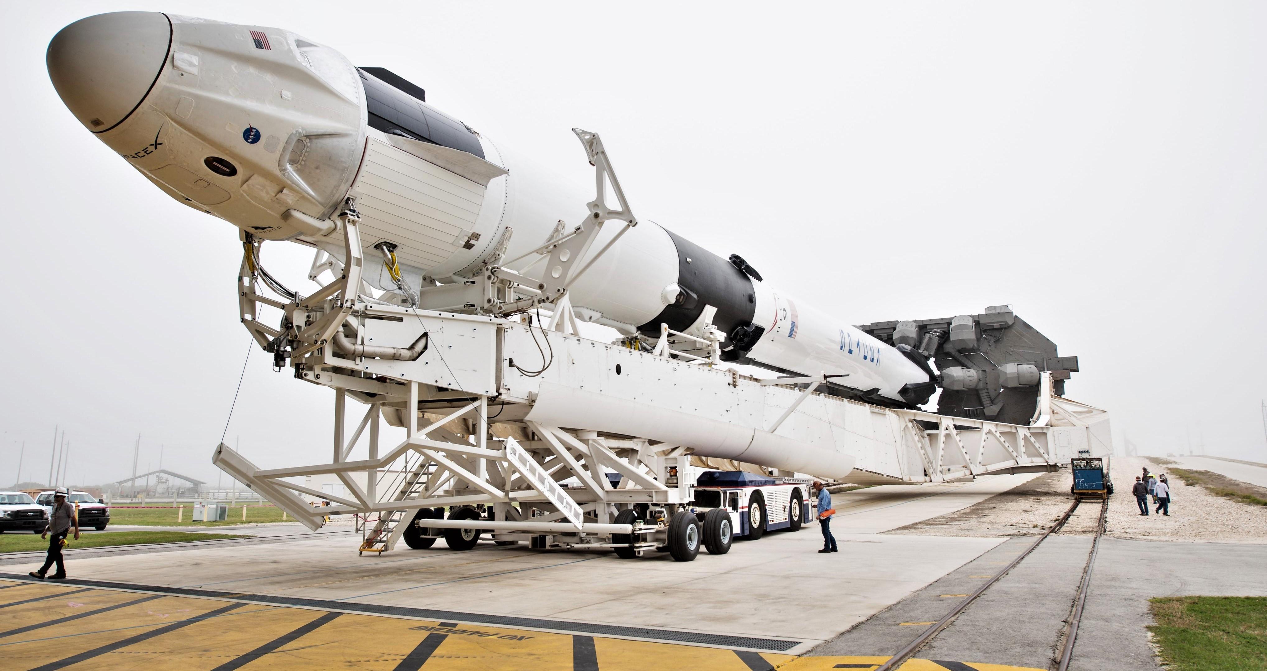 Crew Dragon Falcon 9 DM-1 39A rollout 022819 (NASA – Joel Kowsky) 4 (c) crop