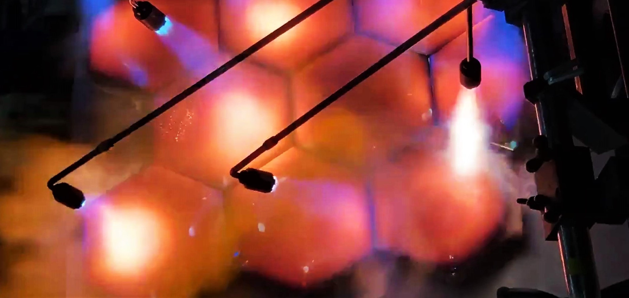 Starship hexagonal heat shield tile testing 031719 (Elon Musk – SpaceX) 1 crop