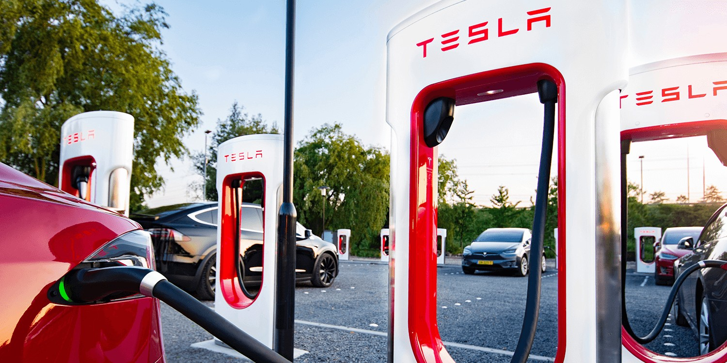 Tesla Begins To Unlock V2 Supercharger S 145 Kw Charge Rate In New Roll Out