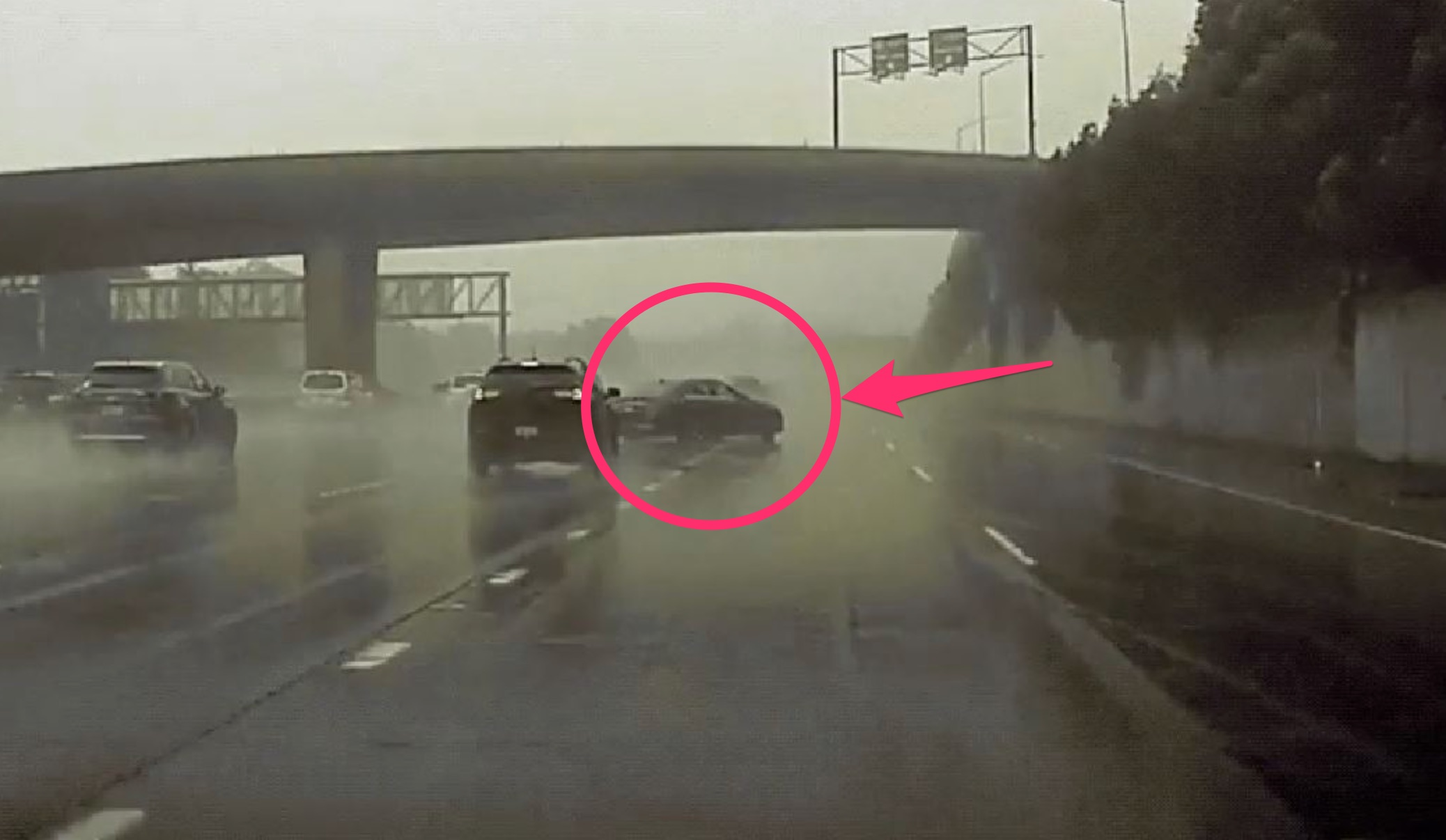 tesla-dashcam-footage-rain-accident