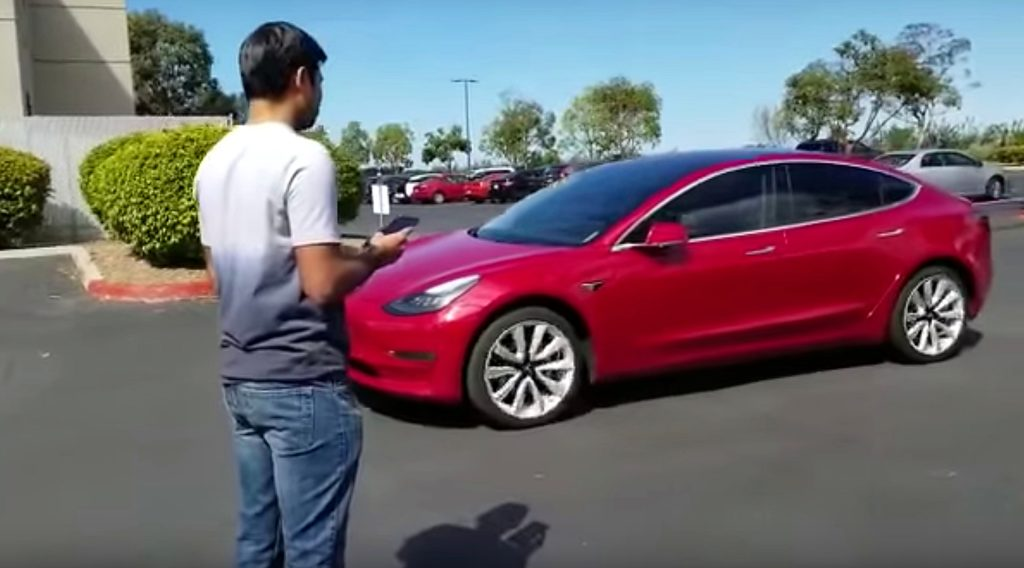 Watch this Tesla Model 3 drive to its owner on Enhanced Summon in latest video