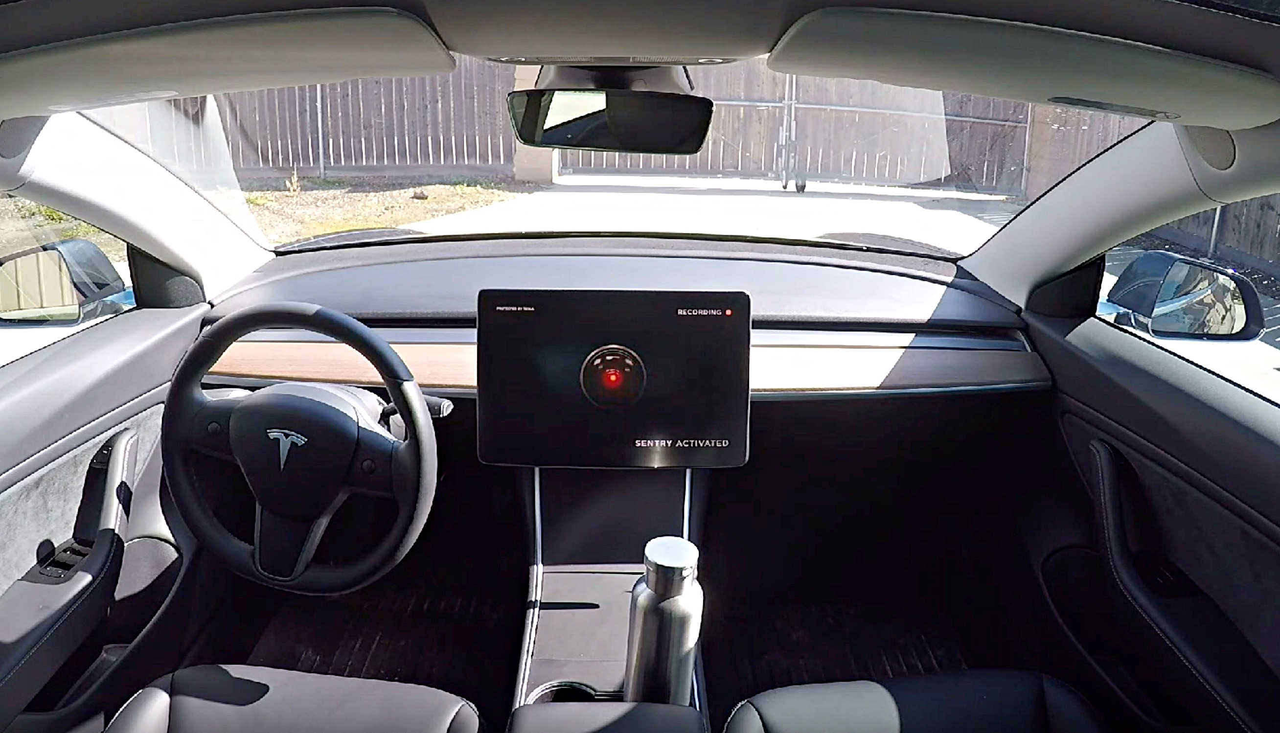tesla-sentry-mode-model-3-touchscreen
