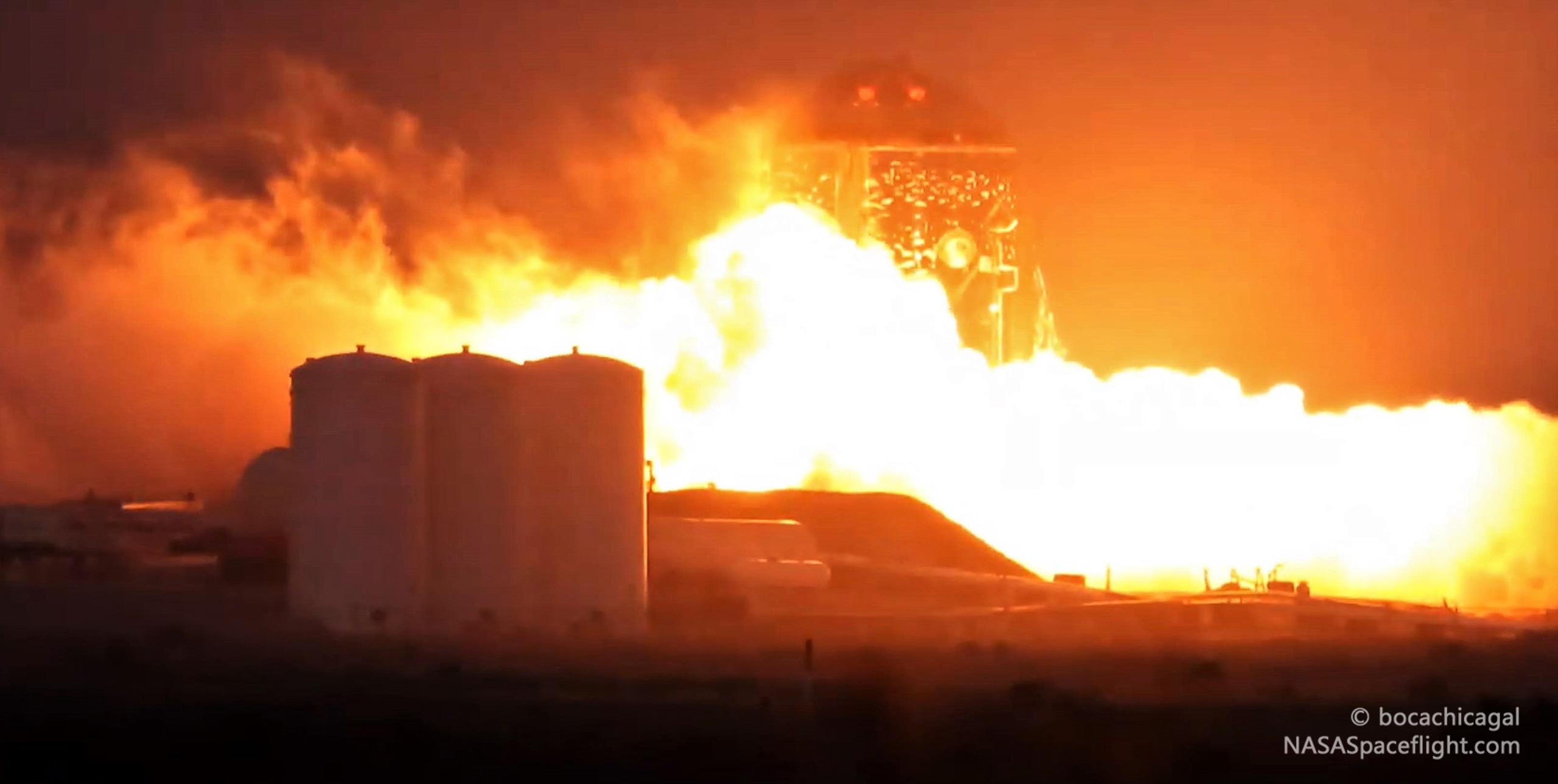 Boca Chica Starhopper Raptor ignition 040319 (NASASpaceflight – bocachicagal) 1 edit 1