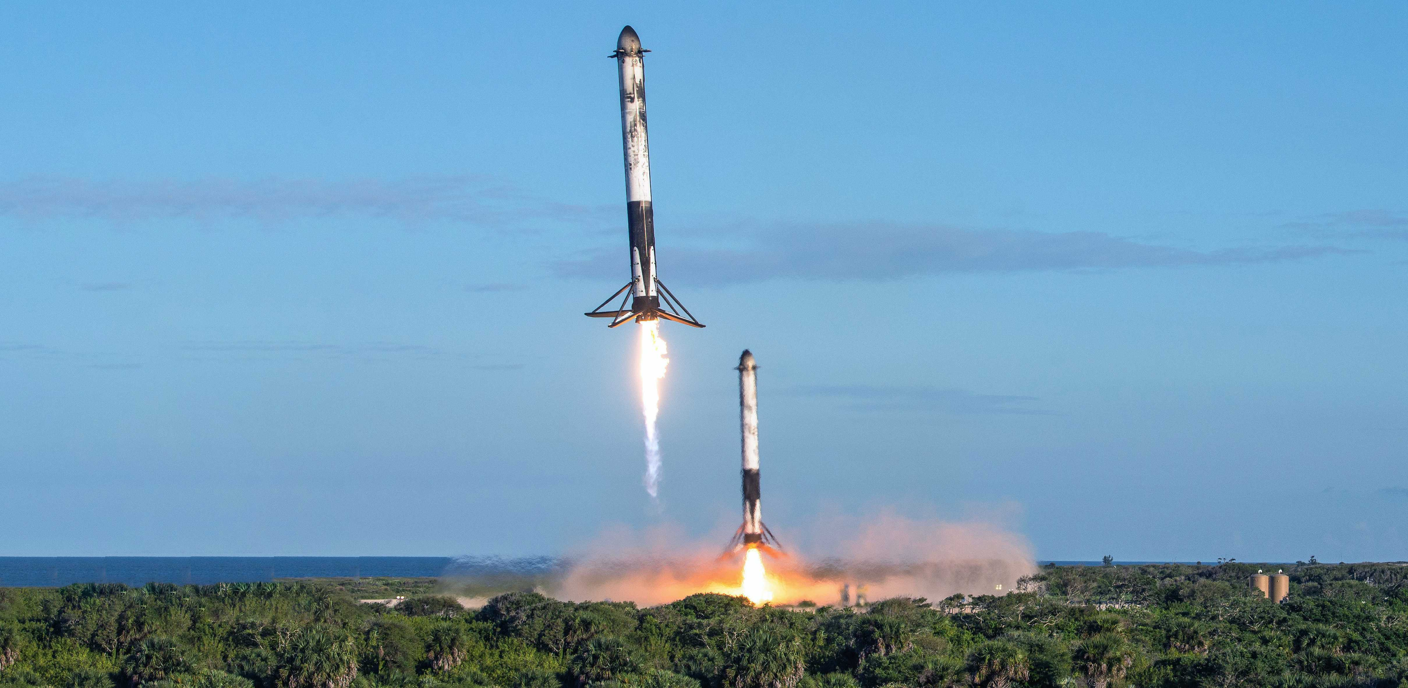 SpaceX's flawless Falcon Heavy Block 5 launch and landing ...