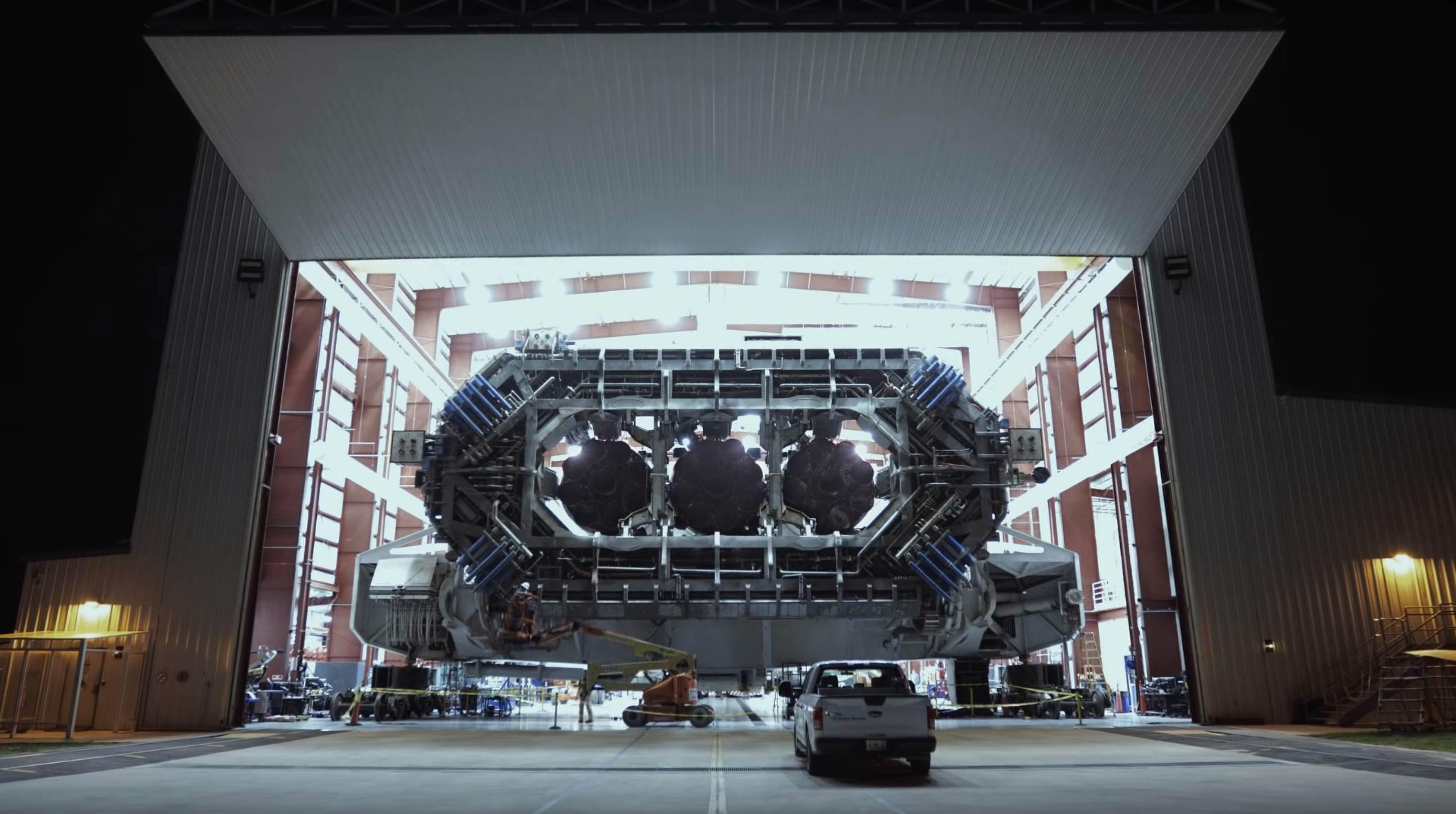 Falcon Heavy Flight 1 TE hangar rollout (SpaceX) 1