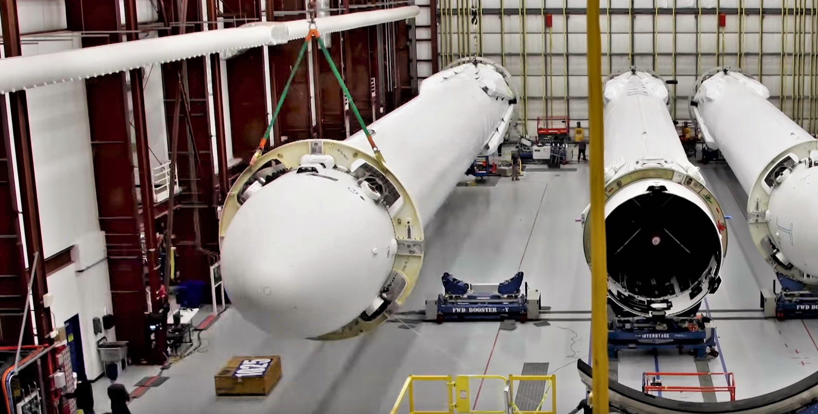 Falcon Heavy Flight 1 booster integration (SpaceX) 2 edit