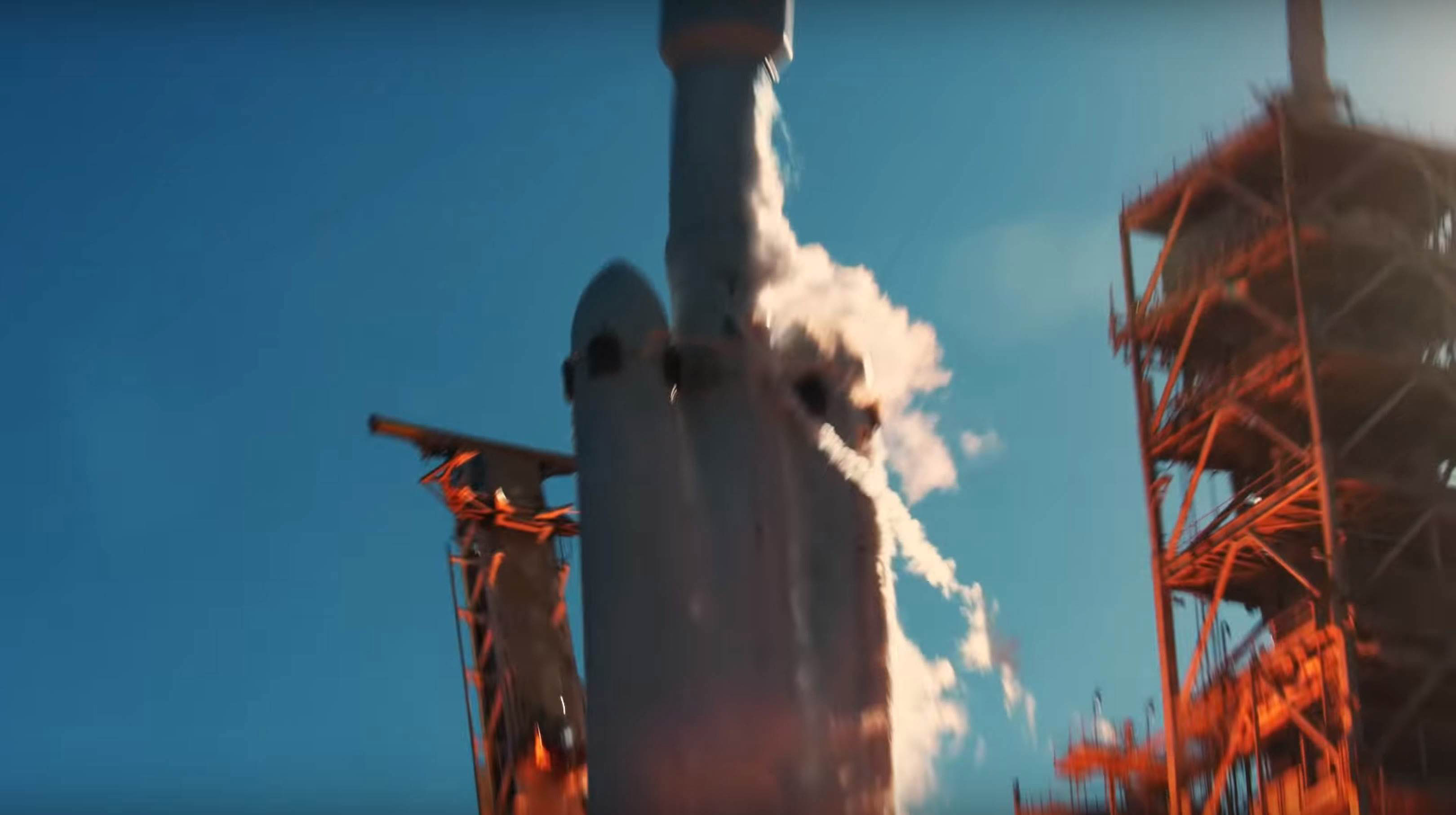Falcon Heavy Flight 1 liftoff (SpaceX) 3