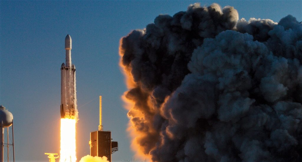 SpaceX's commercial Falcon Heavy launch and landing: a flawless debut in pictures - Teslarati
