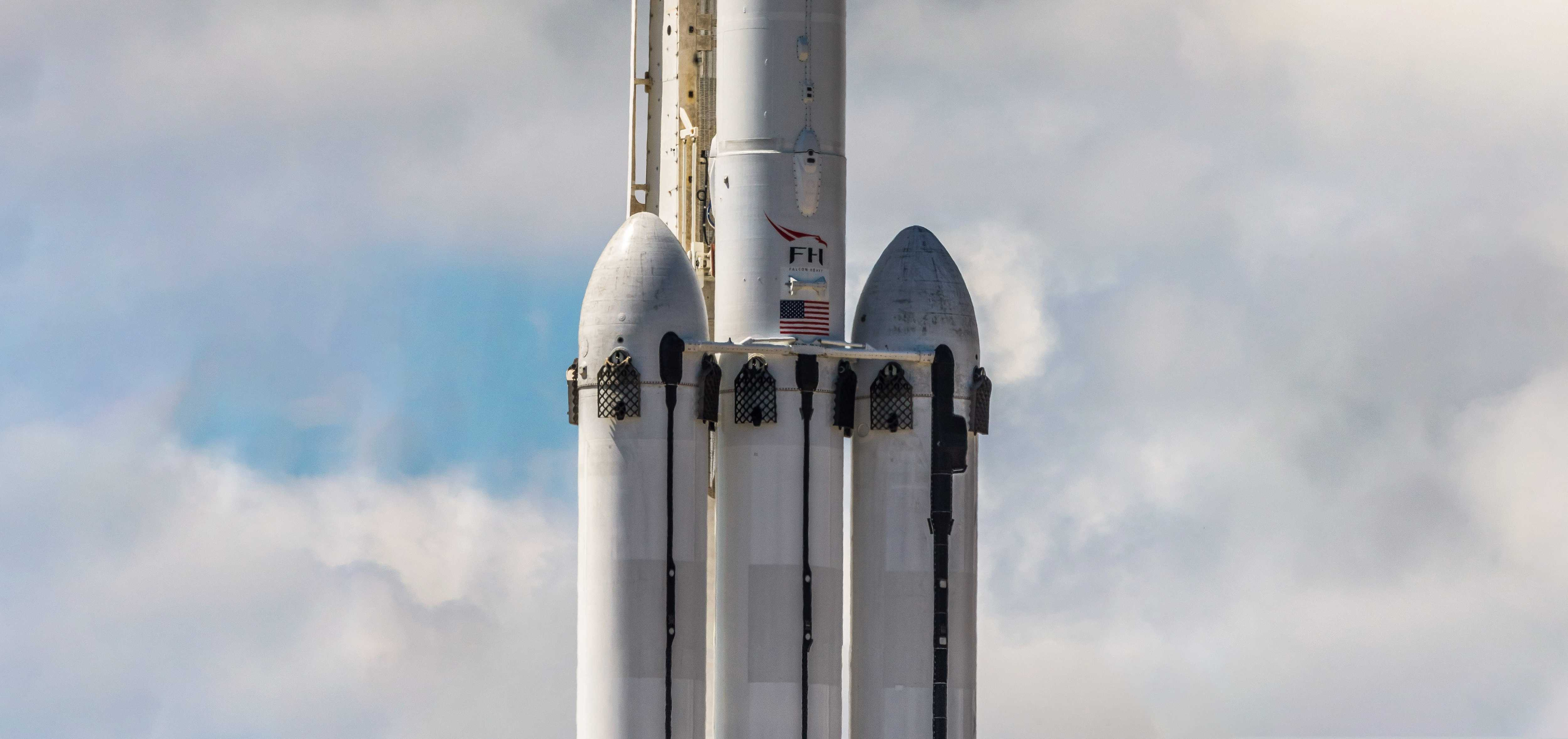 Falcon Heavy Flight 2 prelaunch 041119 (Pauline Acalin) clouds pano 1 crop 2 (c)