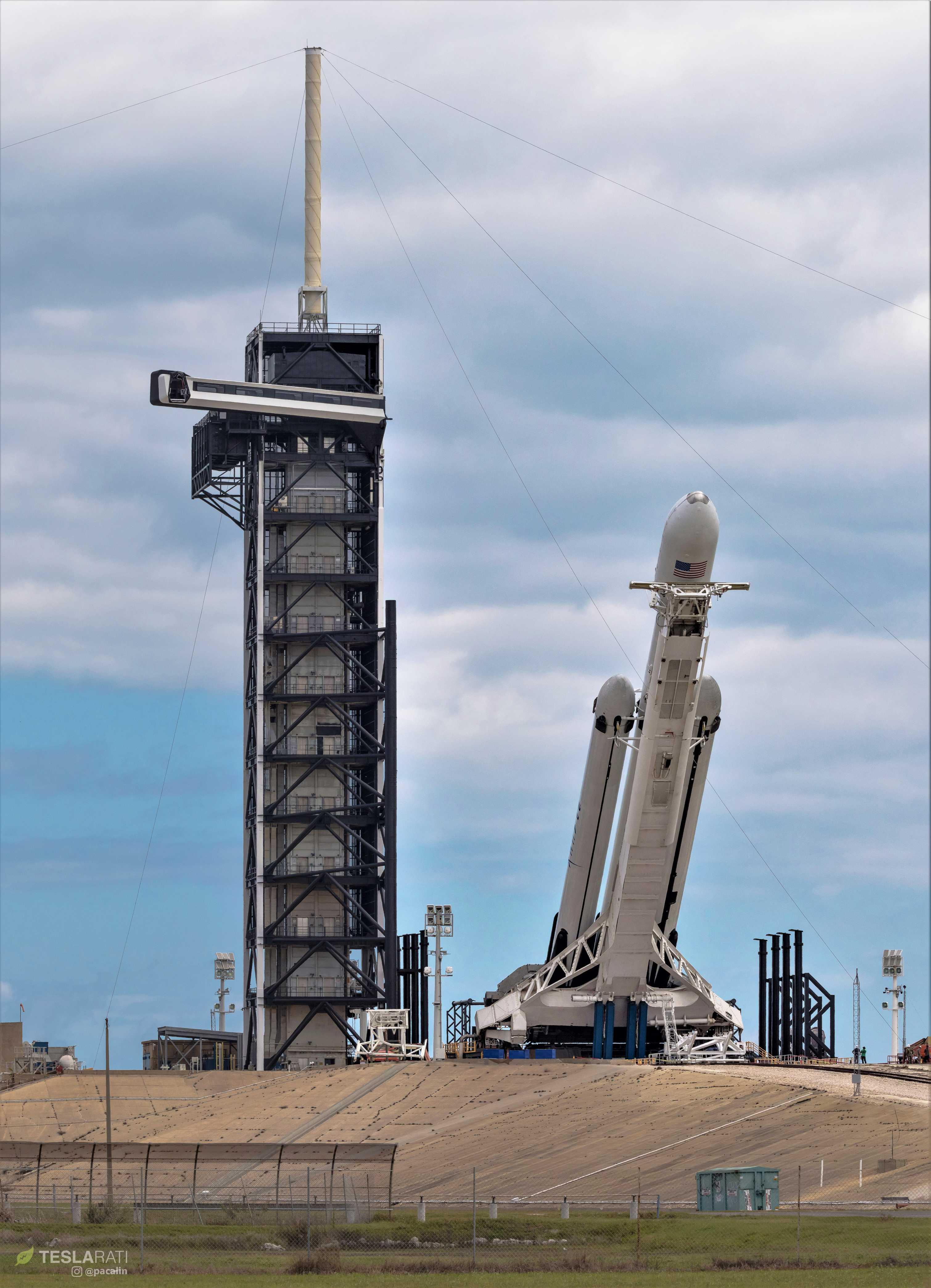 Falcon Heavy Flight 2 prelaunch 39A (Pauline Acalin) pano 3 (c)