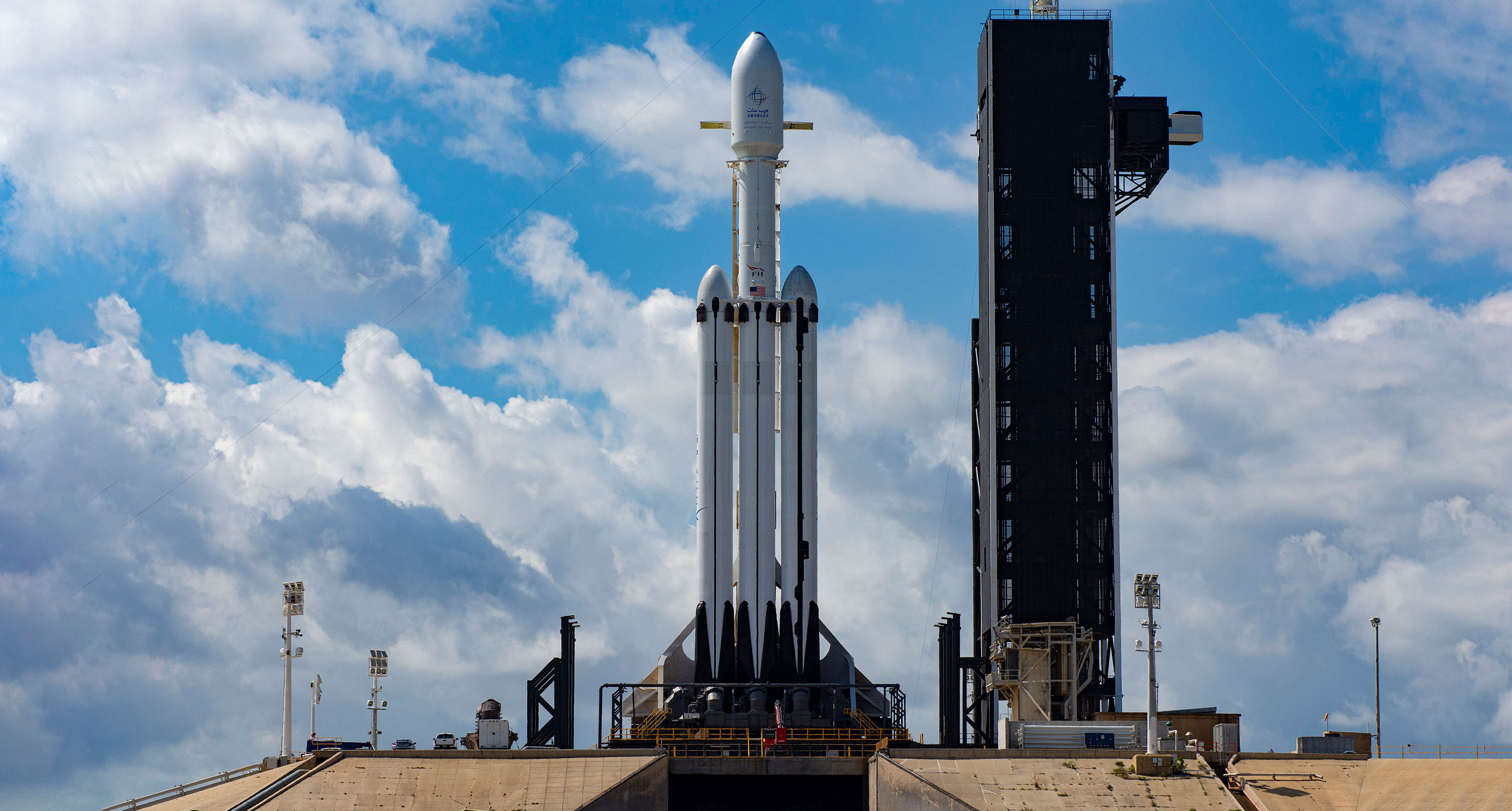 SpaceXs Falcon Heavy To Attempt Triple Booster Landing At