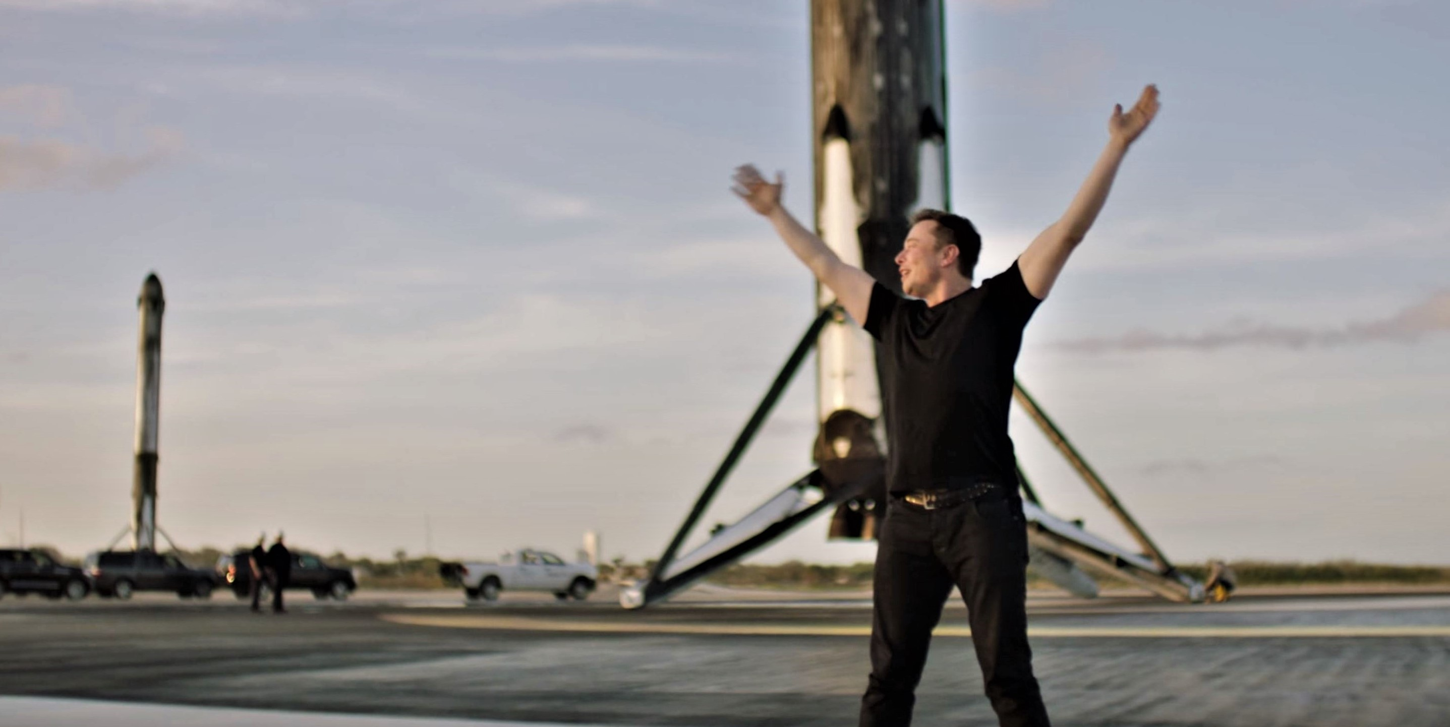 Falcon Heavy and Elon Musk at LZ-1 (SpaceX & National Geographic) 1 edit