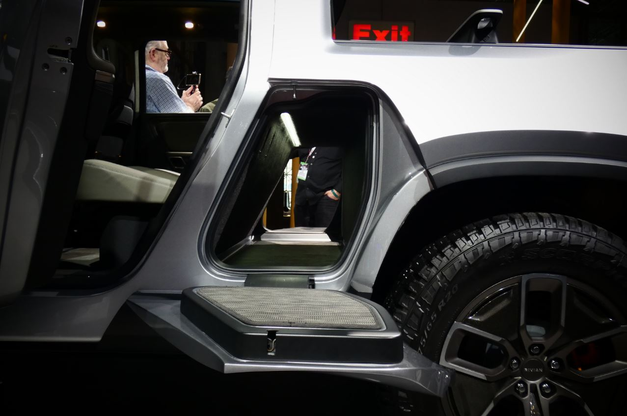Rivian R1T pickup truck will be a viable commercial fleet vehicle, analysts weigh in