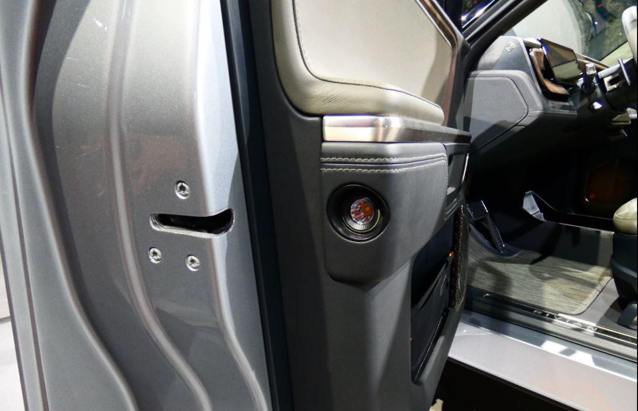 Rivian_door-flashlight_NY-auto_2