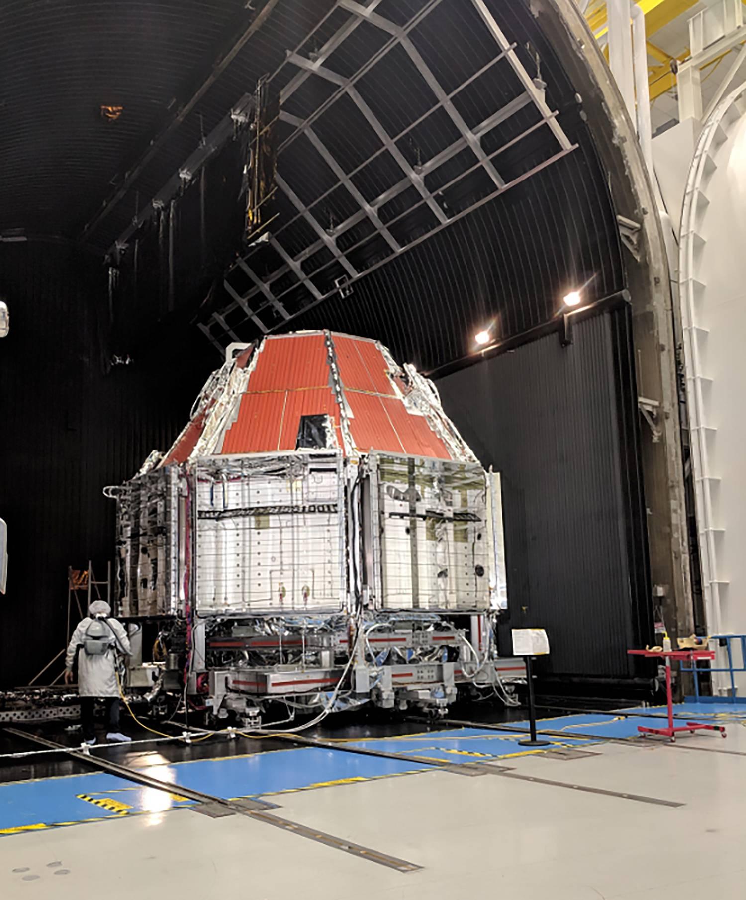 Starliner OFT TVAC testing Q1 2019 (Boeing) 2 (c)