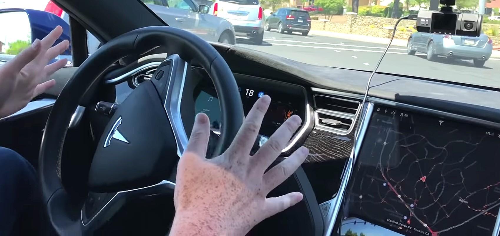 tesla-autopilot-left-hand-turn-1