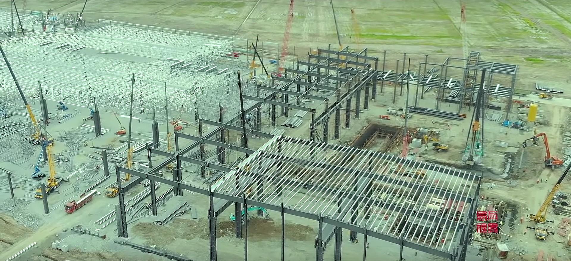 tesla-gigafactory-3-roofing-1a