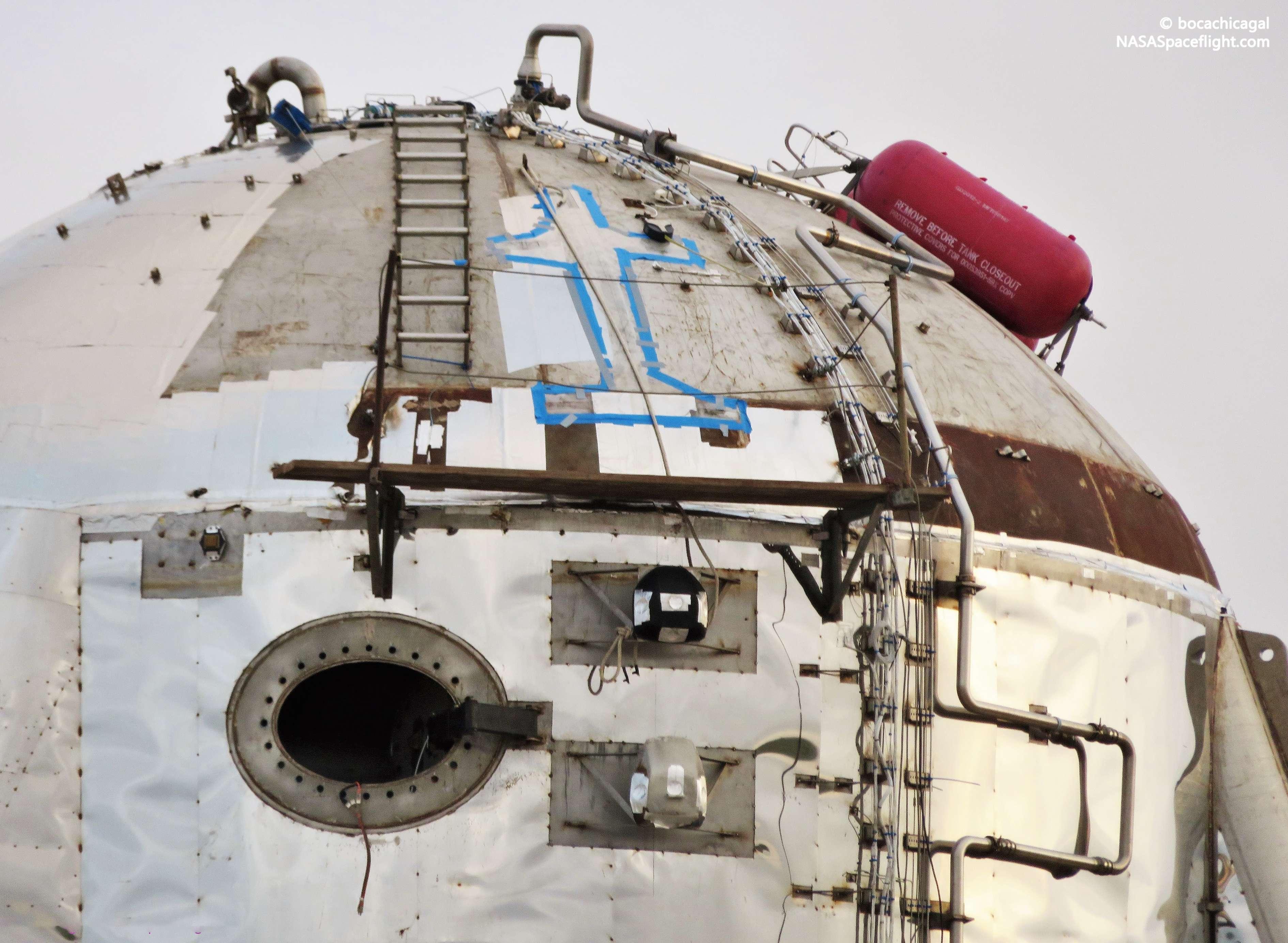 Boca Chica Starhopper ACS install 050719 (NASASpaceflight – bocachicagal) 4 (c)