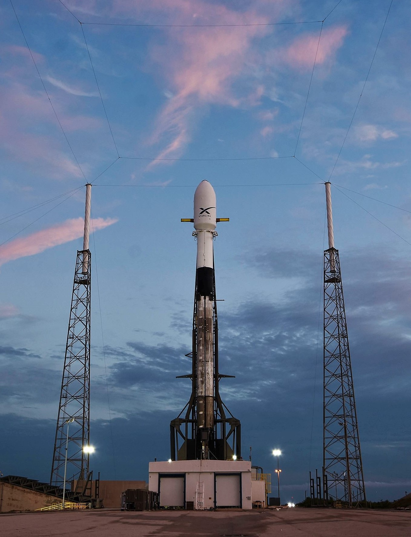 Falcon 9 B1049 Starlink v0.9 preflight LC40 051419 (SpaceX) 1 crop 2