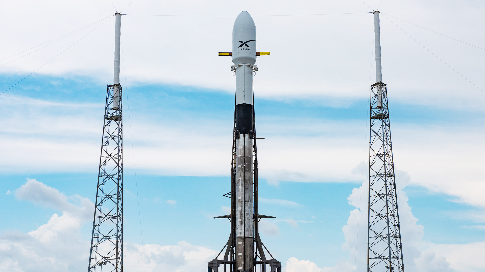 SpaceX executive says Falcon 9 is waiting for customer satellites for the first time ever