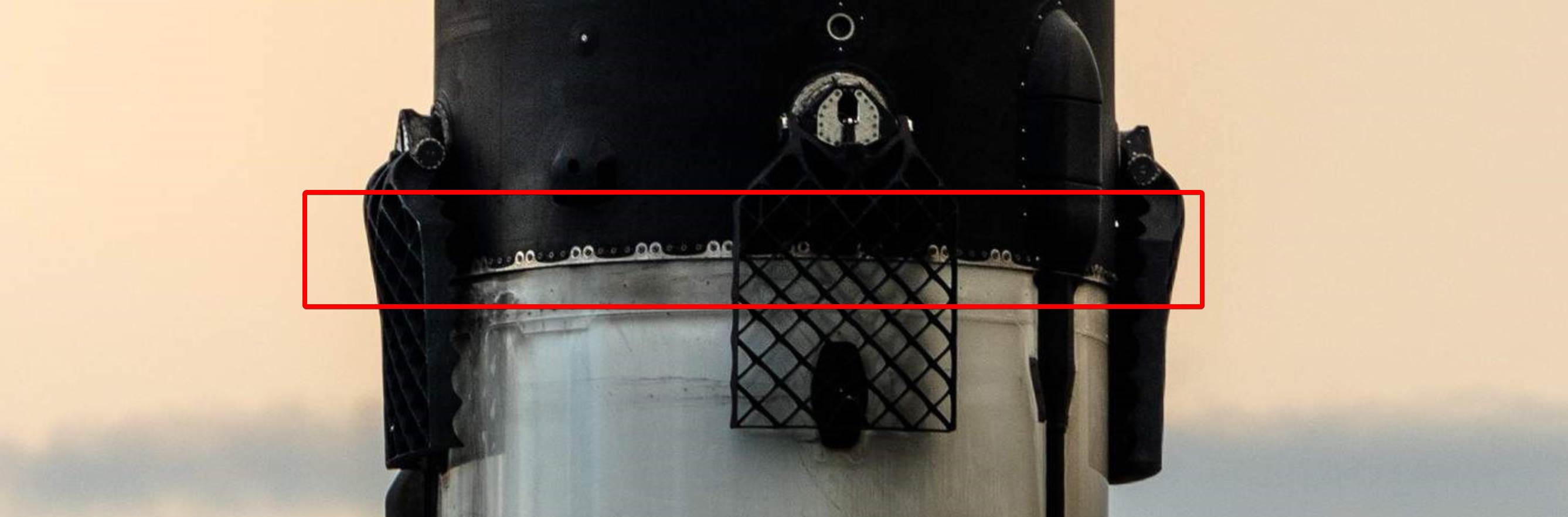 Falcon 9 B1056 CRS-17 Cargo Dragon OCISLY return 050419 (Tom Cross) 6 annotated