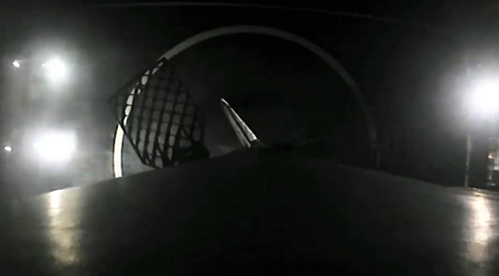 Falcon 9 B1056 infrared landing (SpaceX) 10