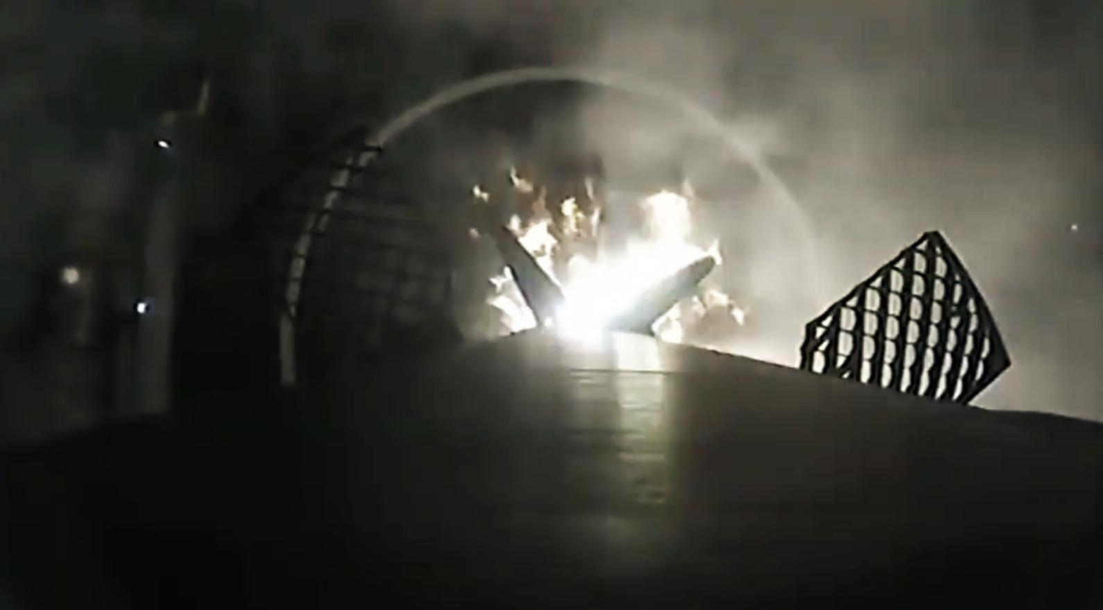 Falcon 9 B1056 infrared landing (SpaceX) 9