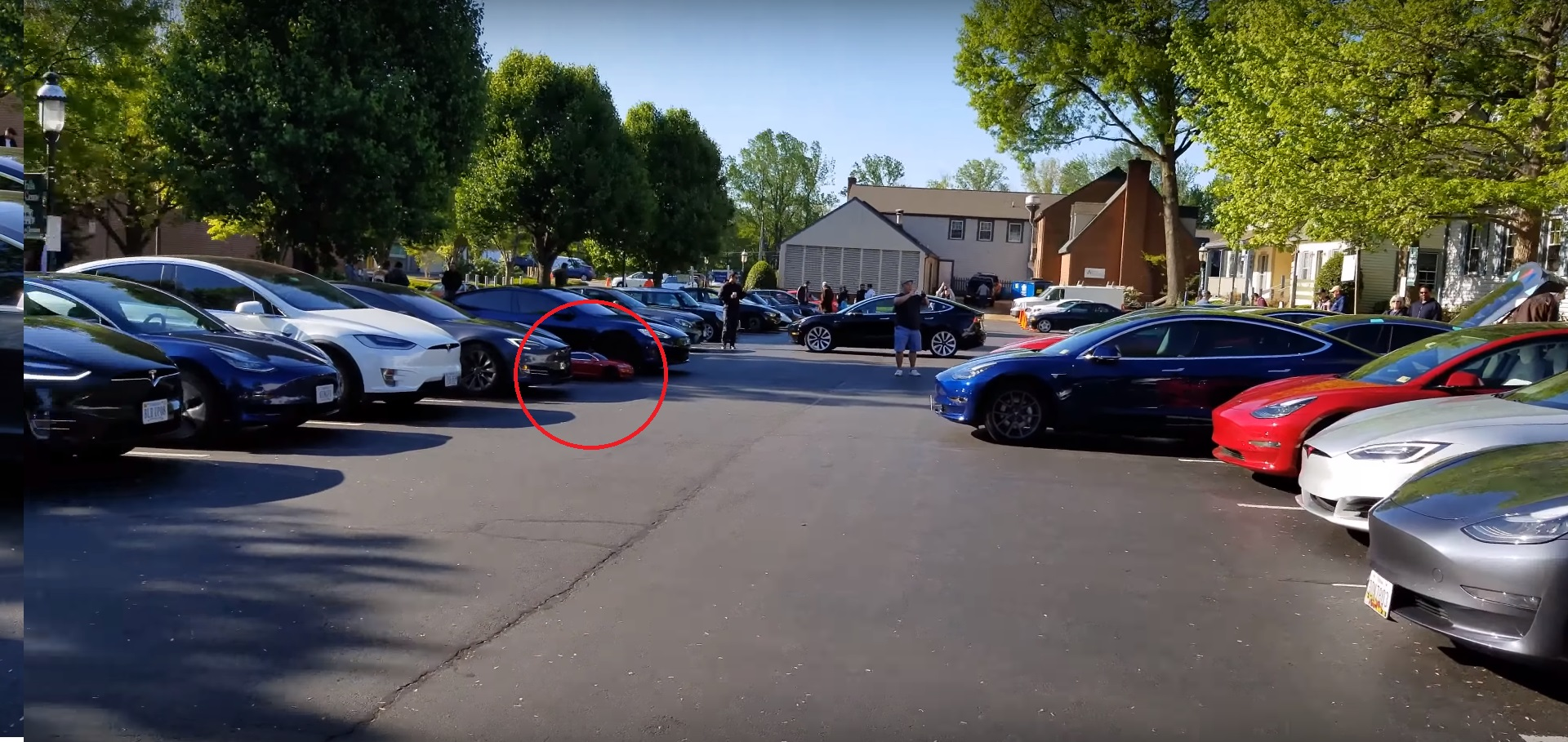 Tesla owners Summon a flash mob in parking lot antics