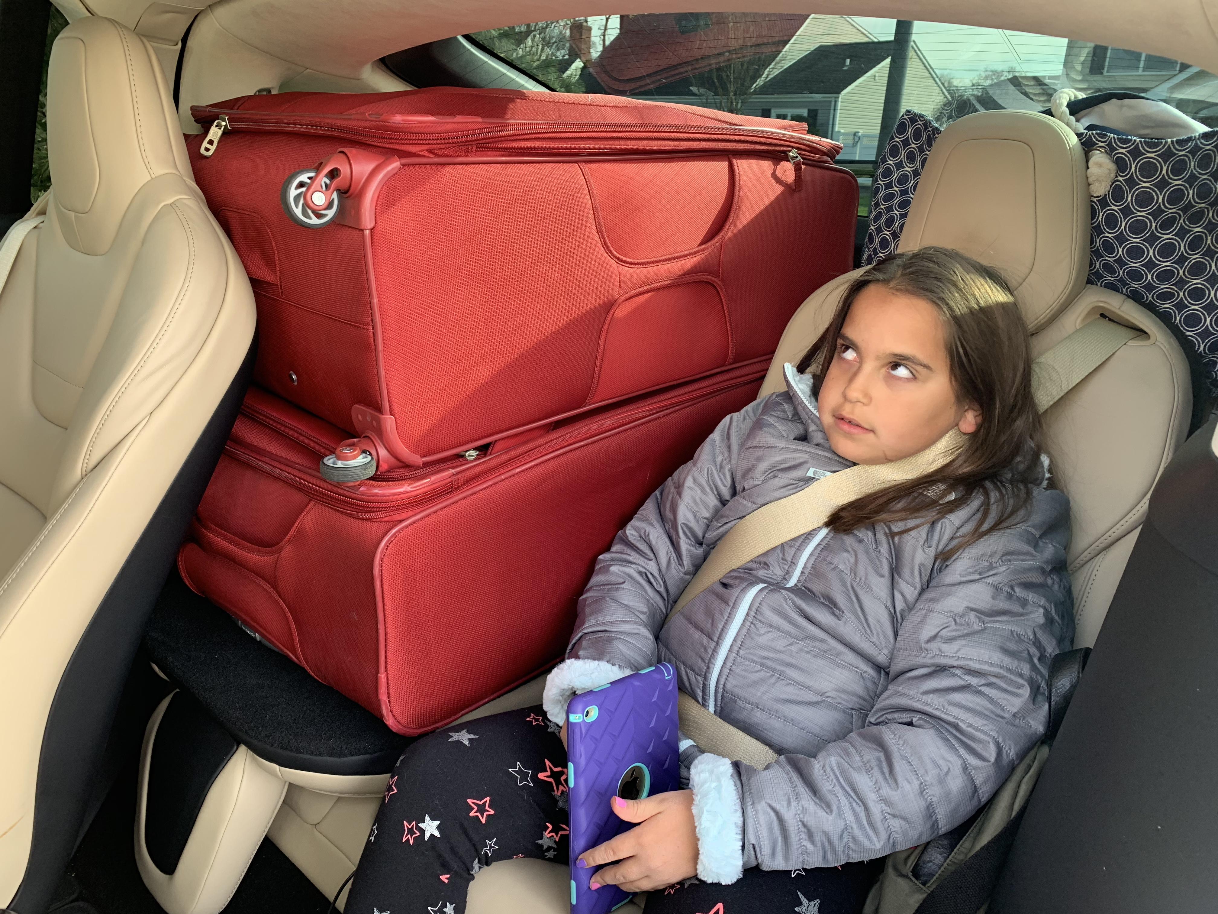tesla-model-x-3rd-row-luggage