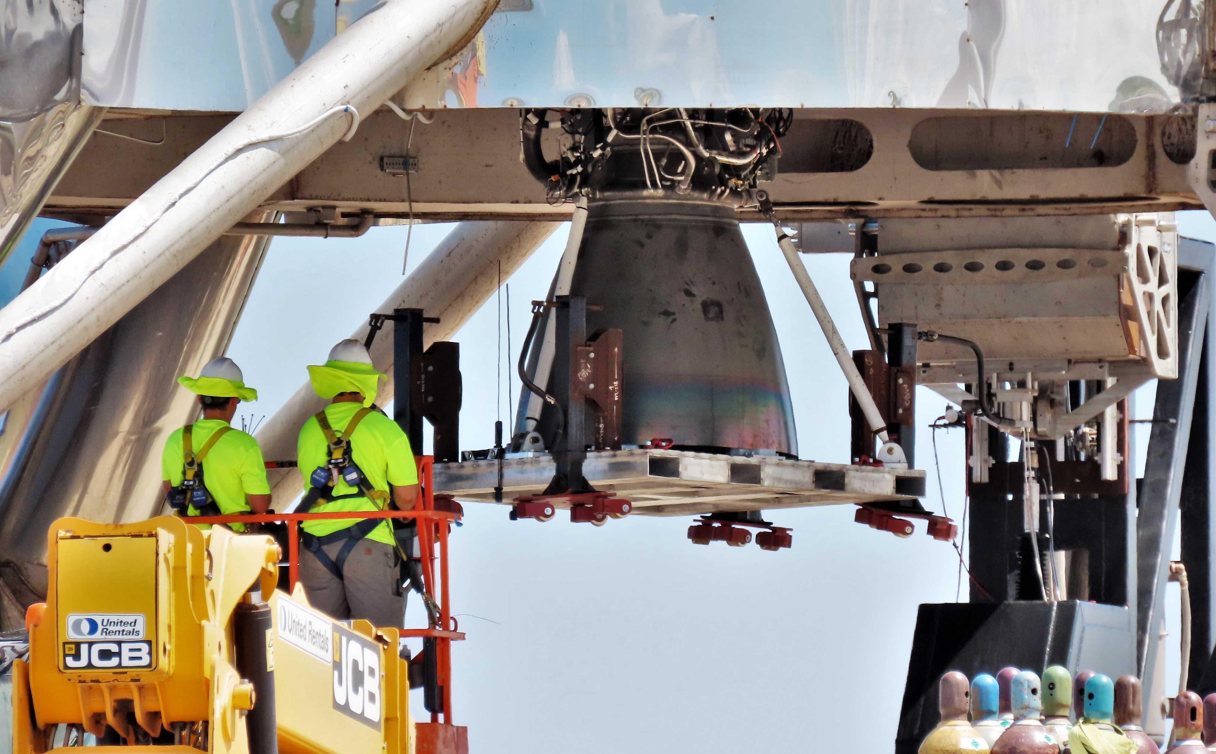 Boca Chica Starhopper Raptor SN04 installation 060219 (NASASpaceflight – bocachicagal) 2 (c)