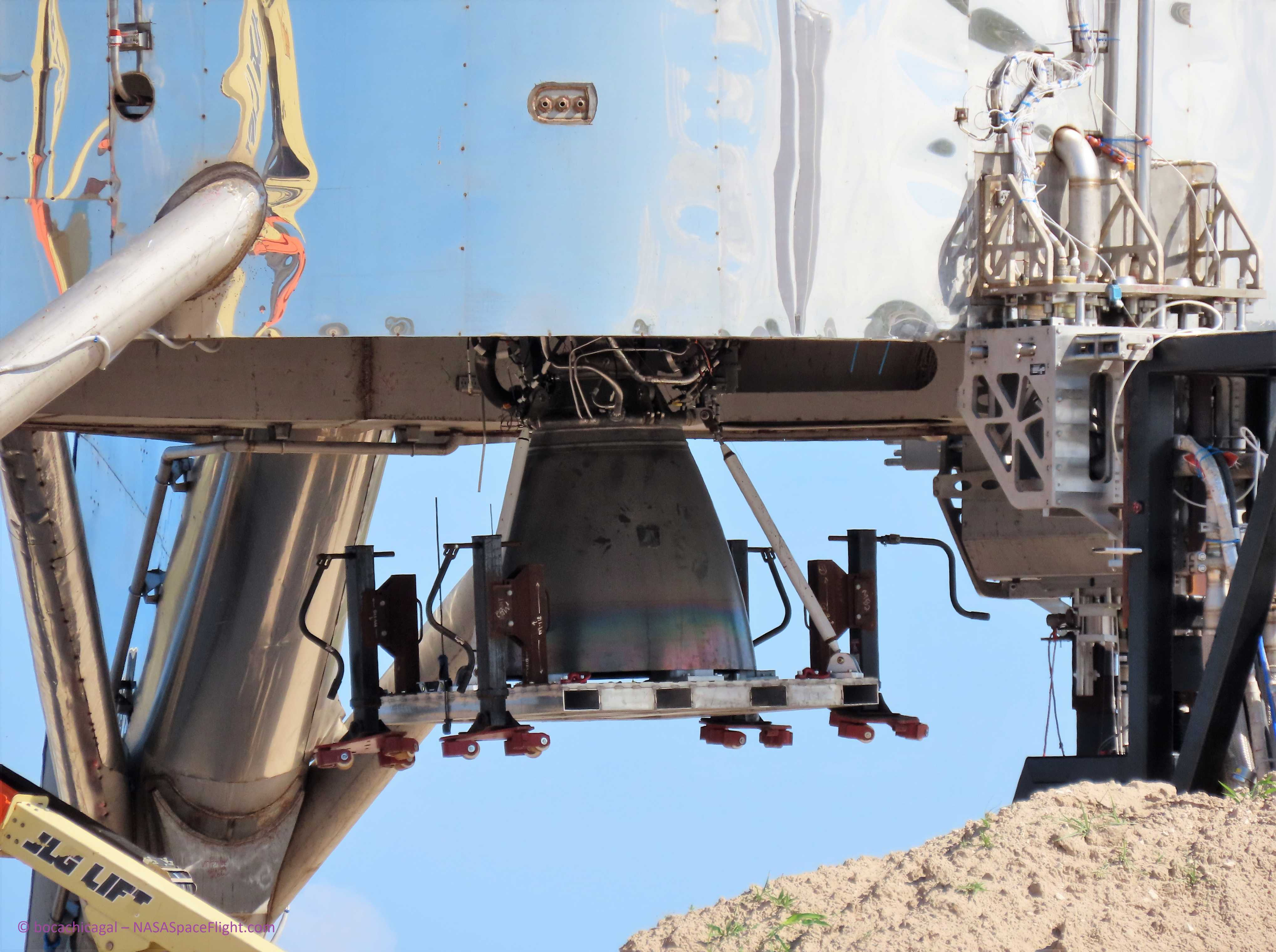 Boca Chica Starhopper Raptor SN04 installation 060219 (NASASpaceflight – bocachicagal) 3 (c)