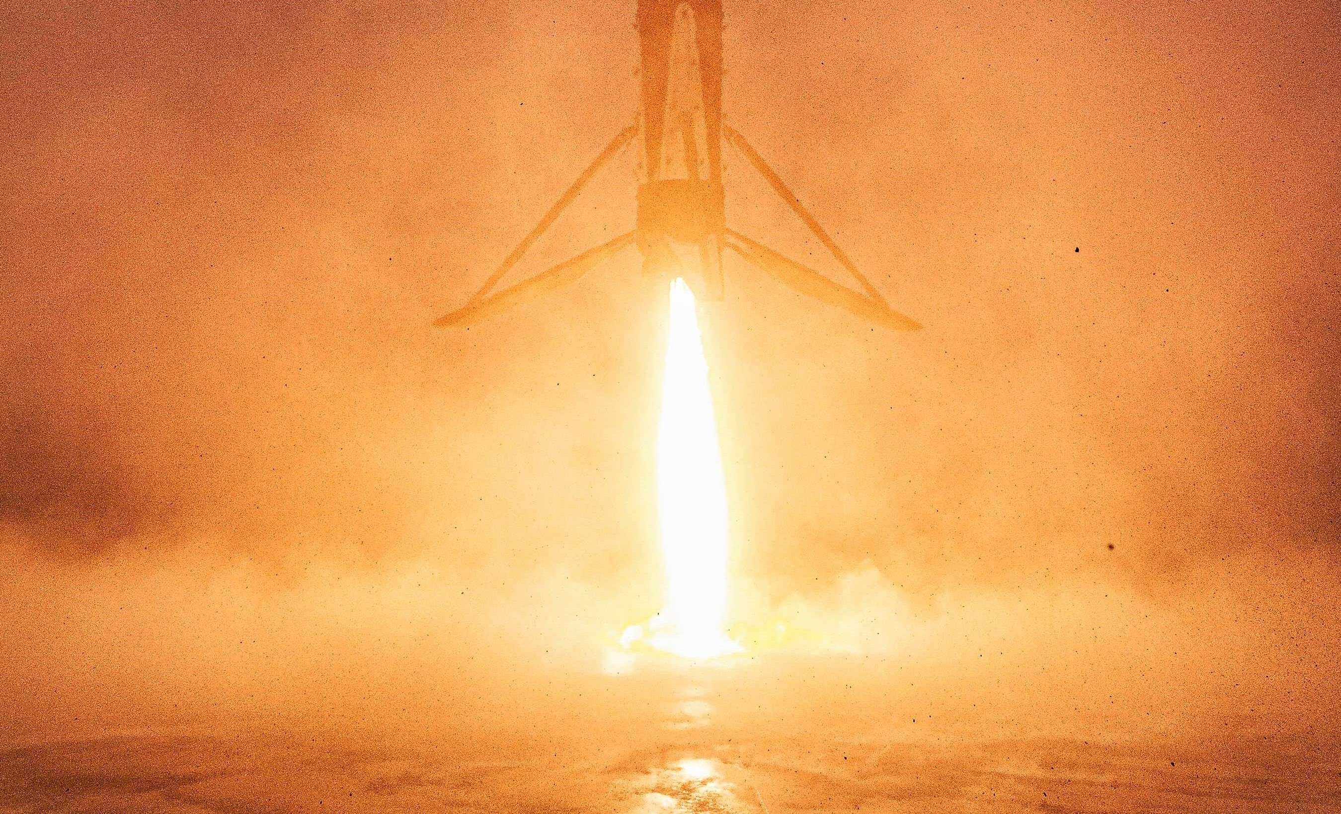 Falcon 9 B1051 RCM landing SLC-4E LZ-4 (SpaceX) 2 crop (c) 2
