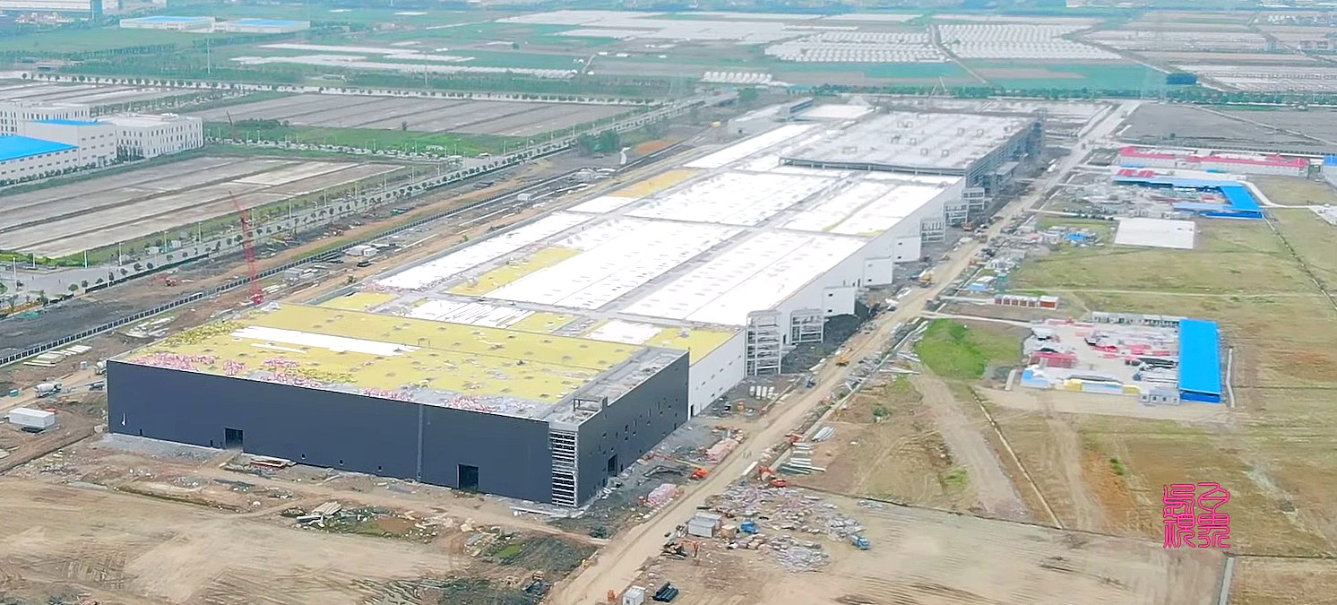 Tesla Gigafactory 3 complex enters initial tooling phase as new jobs open for the site